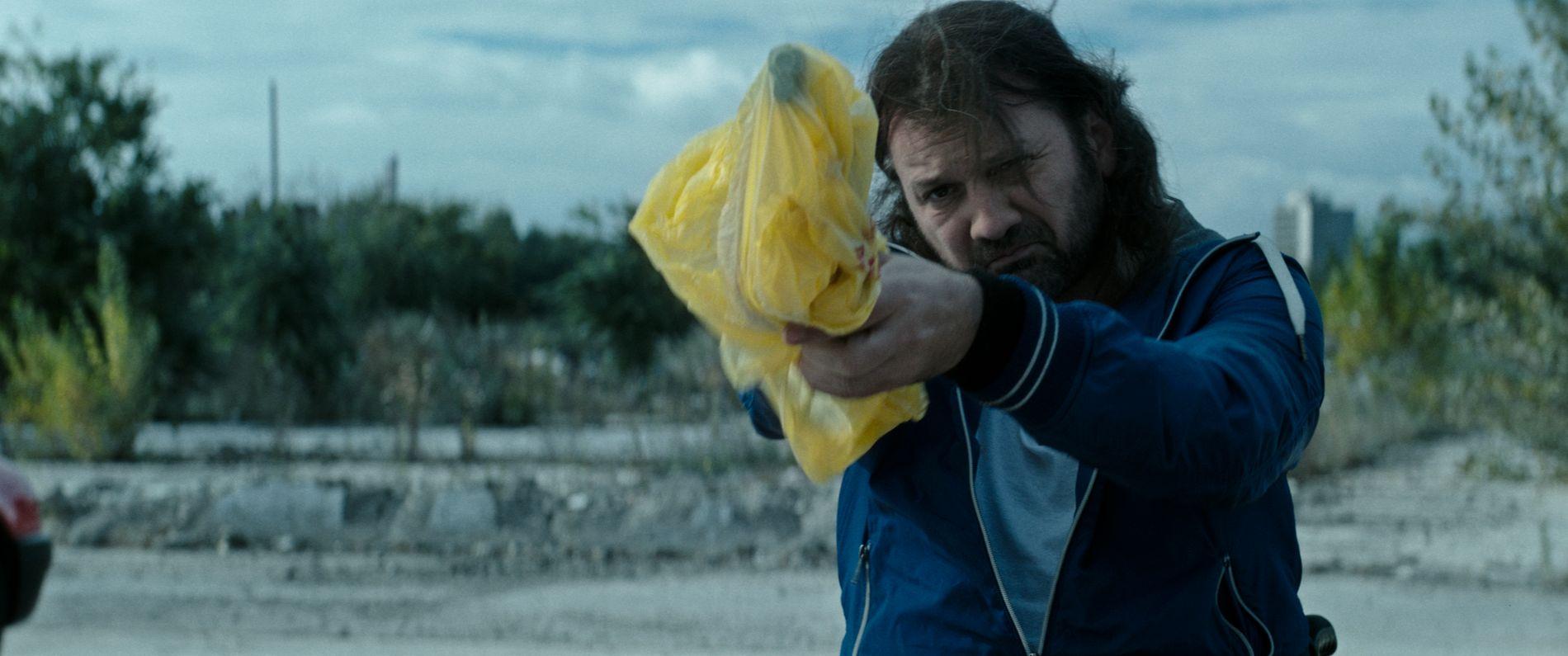 e50f35db PROFF: Szabolcs Thuróczy (Rupaszov) er den eneste skuespilleren som spiller  bevegelseshemmet. byoutline Filmweb