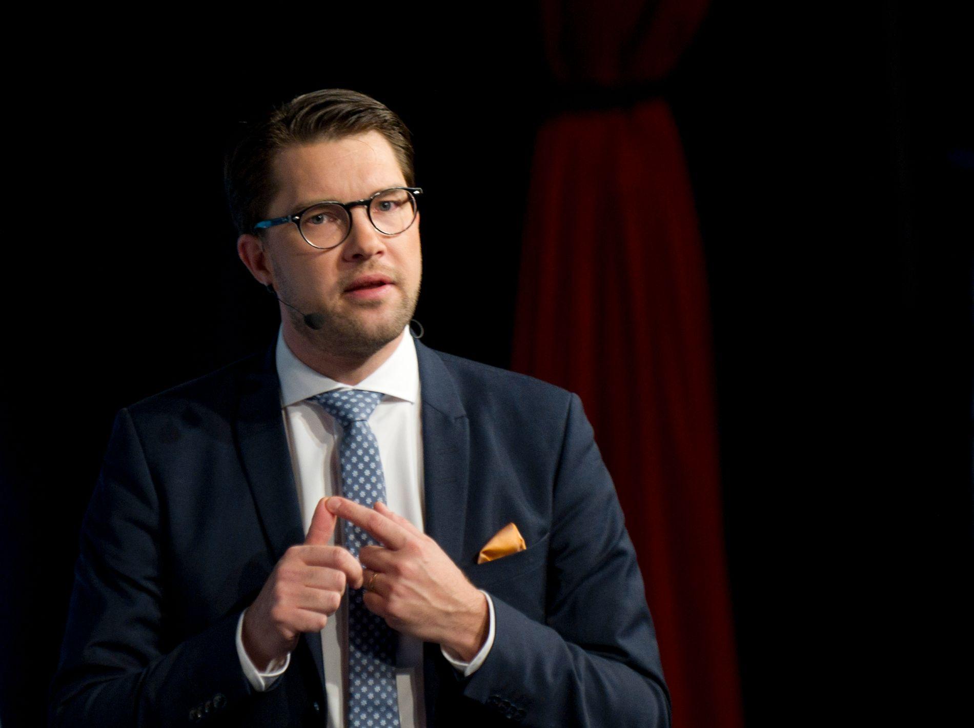 RADIKAL: – Sverigedemokraterna profilerer seg nesten utelukkande på sin motstand mot innvandring. Jimmie Åkessons parti har ei ekstrem fortid, og ei rekkje av dei som var med på å skipe partiet var medlemmer av nazistiske rørsler, skriv Morten Myksvoll.