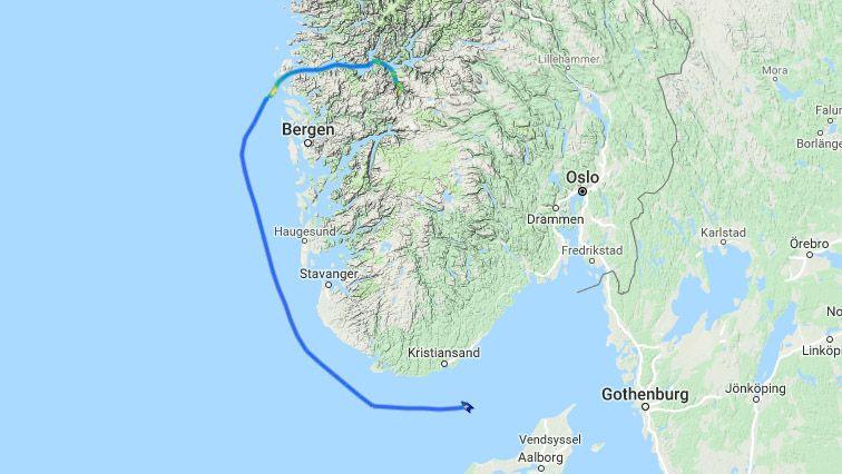 FRA FLÅM: Skipet har vært i Flåm, og befant seg fredag ettermiddag
