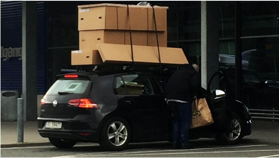 STOPPET AV POLITIET: Stortingsrepresentant Erik Skutle ble stoppet med denne lasten etter IKEA-tur i 2017.
