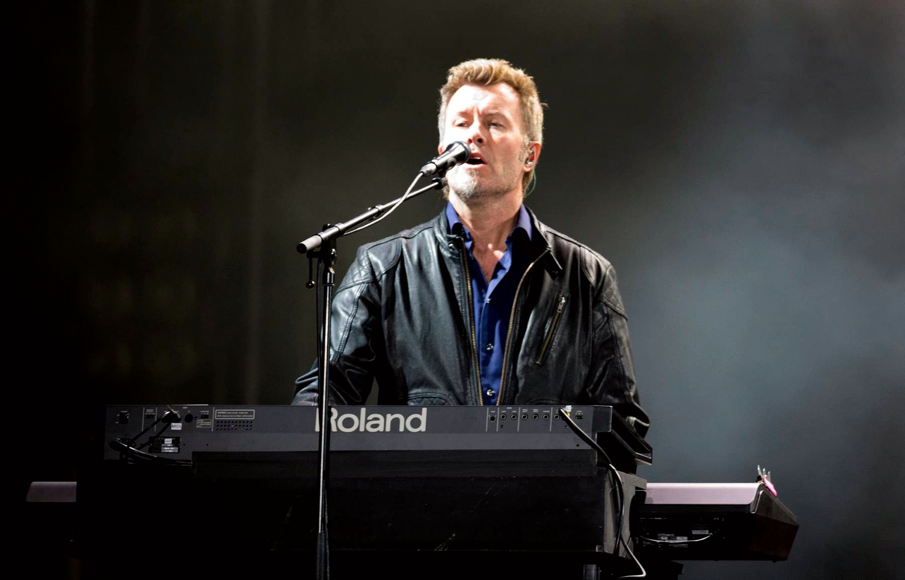 FURUHOLMEN: Magne Furuholmen under lørdagens konsert på Koengen.