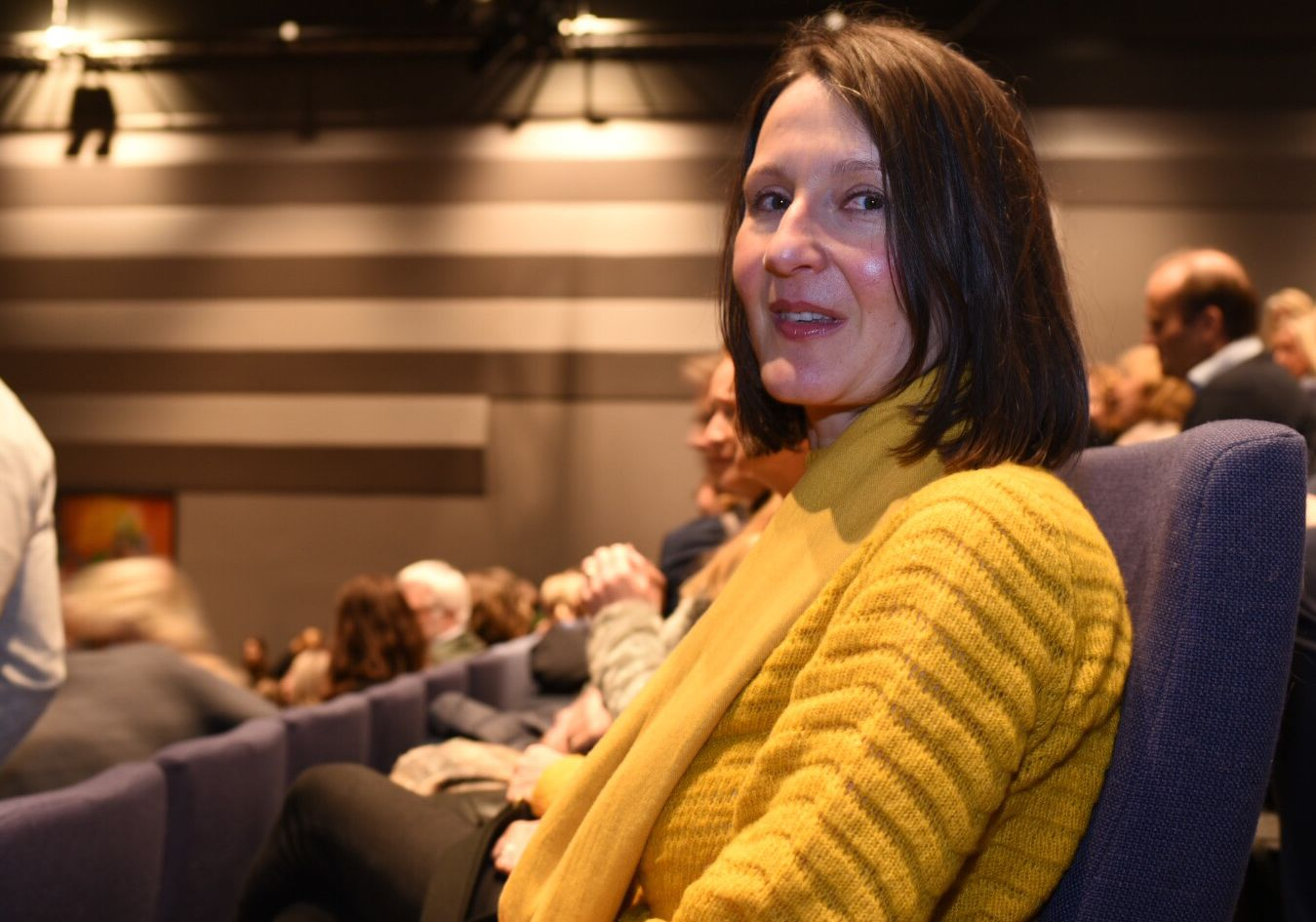 FORELDER: Claudia Tams var blant foreldrene som måtte ta til tårene under foreldremøtet torsdag kveld.