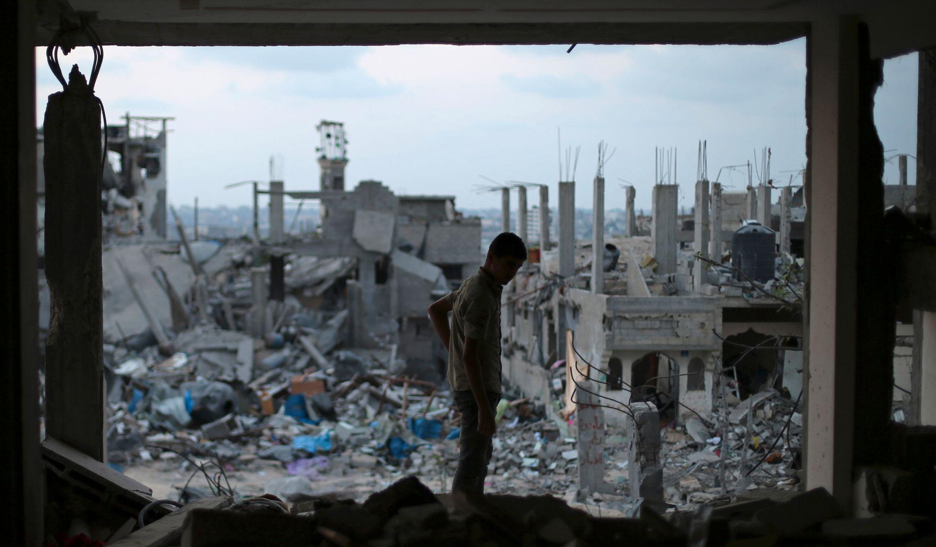 JERNGREP: Israel har heldt Gaza i eit jerngrep dei siste 50 åra, skriv innsendaren.