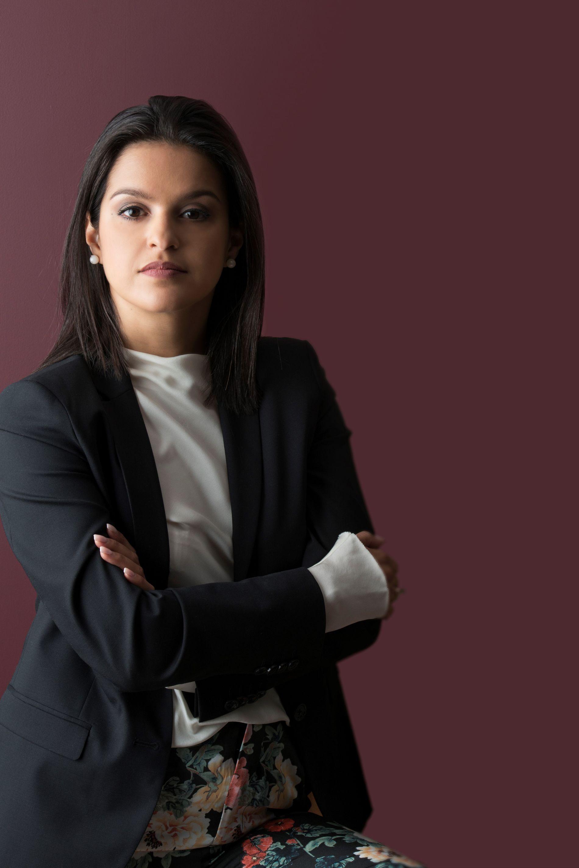 Danielle  gikk på universitet i Rio og var ferdig utdannet arkitekt og urbanist, som er byplanlegger, i 2004.