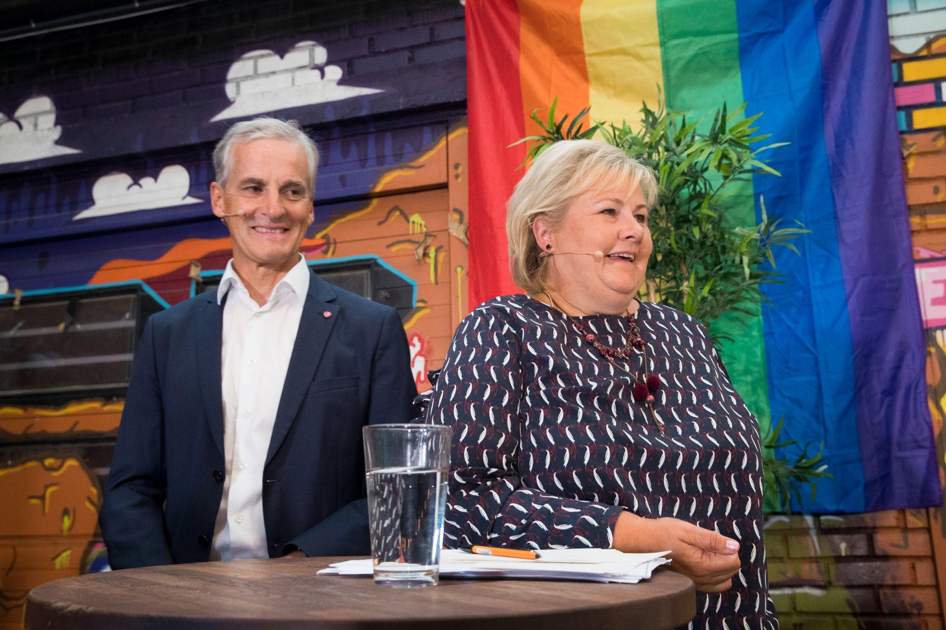 DUELL: Statsminister Erna Solberg (H) og partileder Jonas Gahr Støre (A) møttes til valgdebatt i Oslo 5. august.