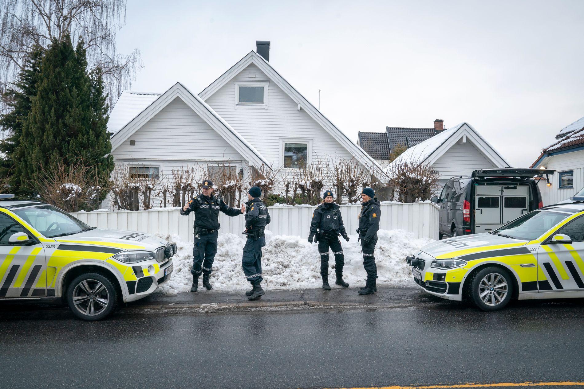 HJEMME HOS JUSTISMINISTEREN: Politiet siktet Tor Mikkal Waras samboer i forrige. De mener hun selv skal ha satt fyr på familiens bil.