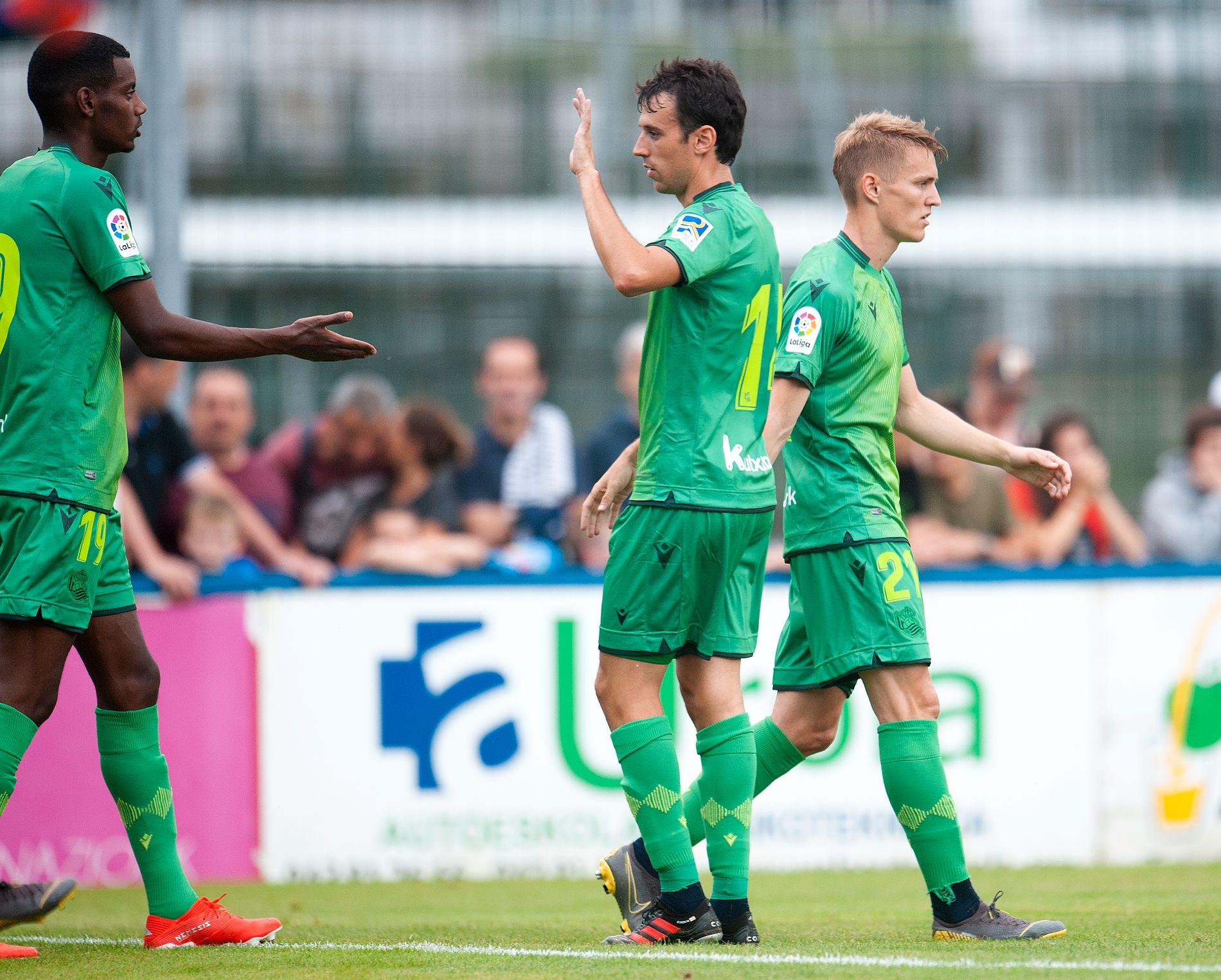 Alexander Isak (t.v.) og Martin Ødegaard (t.h.) er blitt gode venner på kort tid i Real Sociedad.