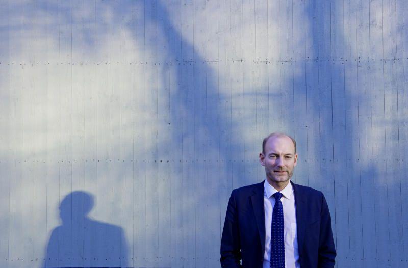 VIL DEMPE MEDIEKRISEN: I sum fremstår forslagene fra utvalgsleder Knut Olav Åmås som fornuftige. Fremtidens mediestøtte bør handle om journalistikk, og ikke hvilken plattform det publiseres på, skriver Frode Bjerkestrand.