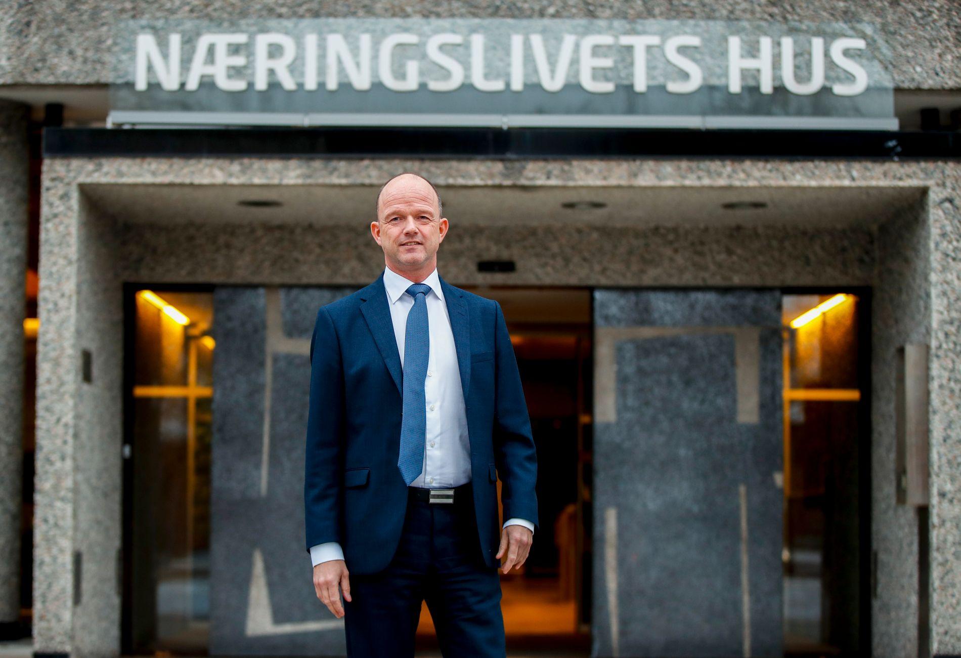 RUSKEVÊR: NHO-sjef Ole Erik Almlid opnar i dag NHOs årskonferanse «Vi og verden», og sender samstundes ut ei utstrakt hand til EØS-motstandarane i LO, skriv BT-kommentator Hans K. Mjelva.