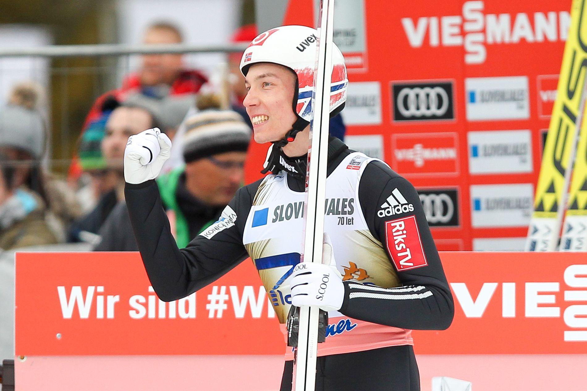 Johann André Forfang ble nummer to i verdenscupen i Russland søndag. Her fra forrige sesongs 2.-plass i Planica.