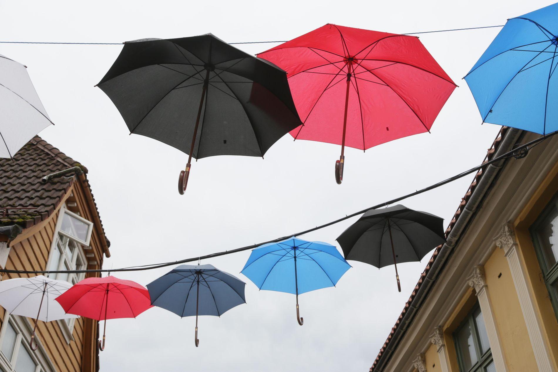 REGNBYEN: I Bergen er det altfor mye regn, skriver Milena (16), som kom til Norge fra Eritrea i 2014.