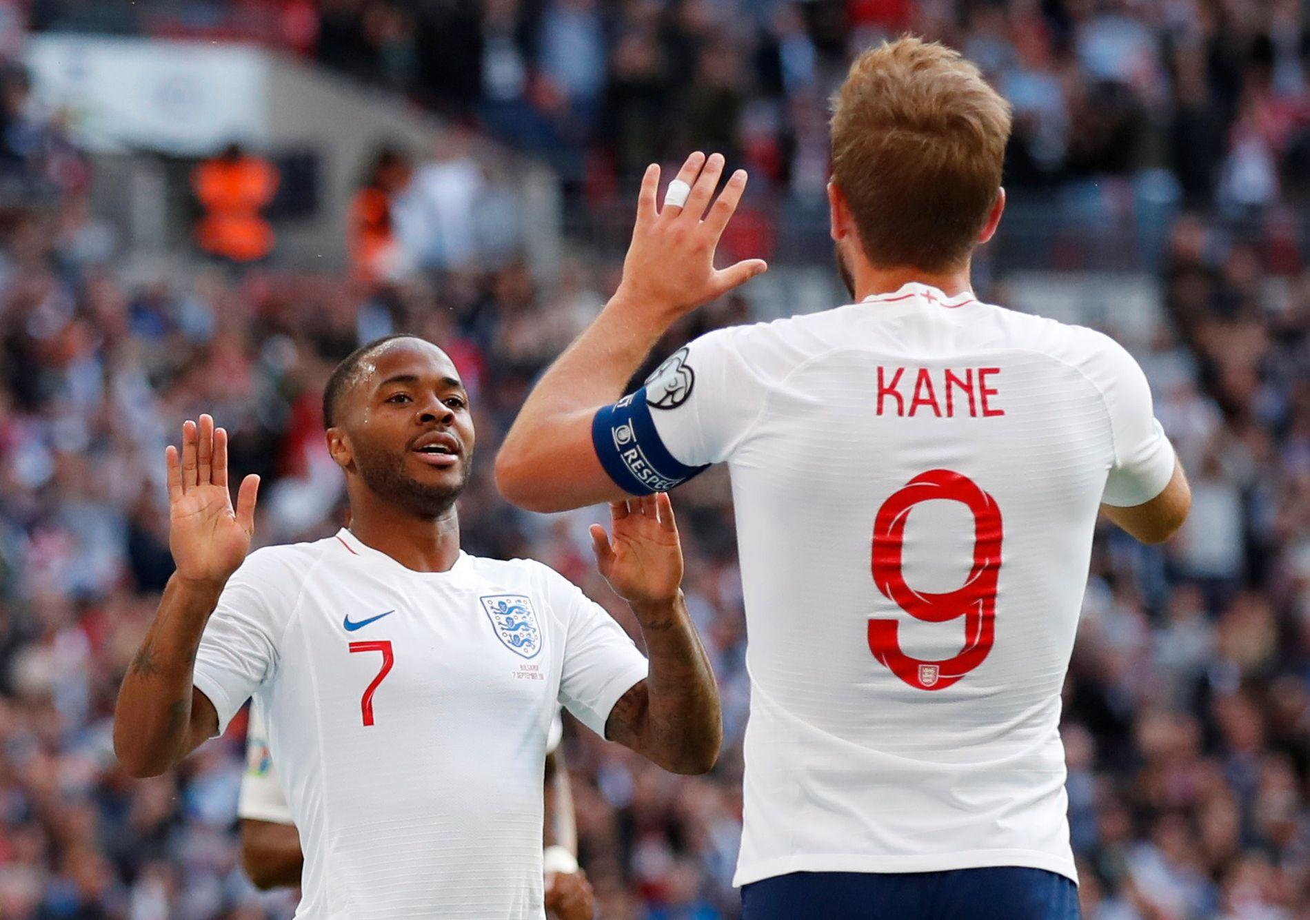 Raheem Sterling kom også på scoringslisten i Englands komfortable seier over Bulgaria.