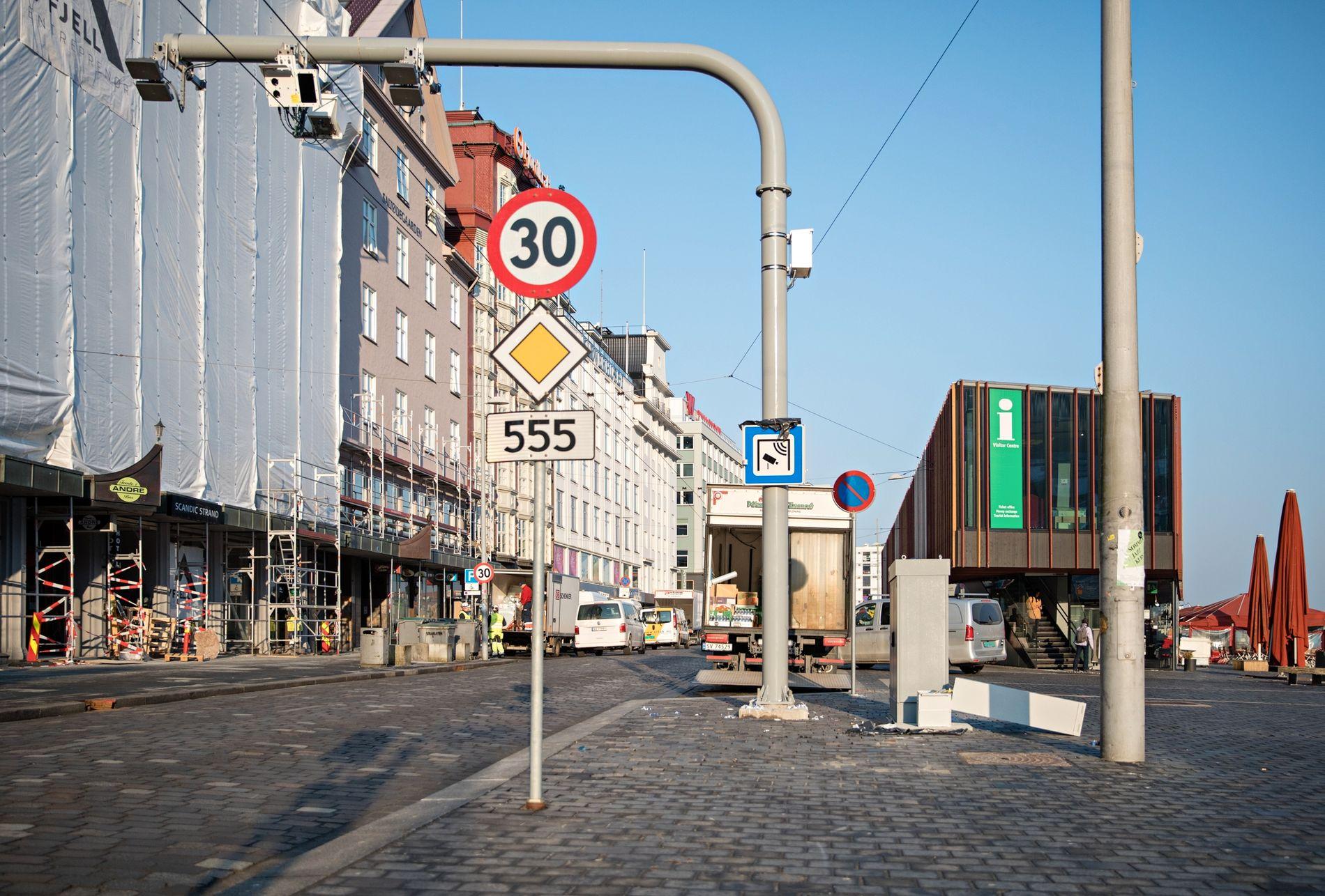 BETALING: Like ved Torget er det kommet en ny bomstasjon for bilister.