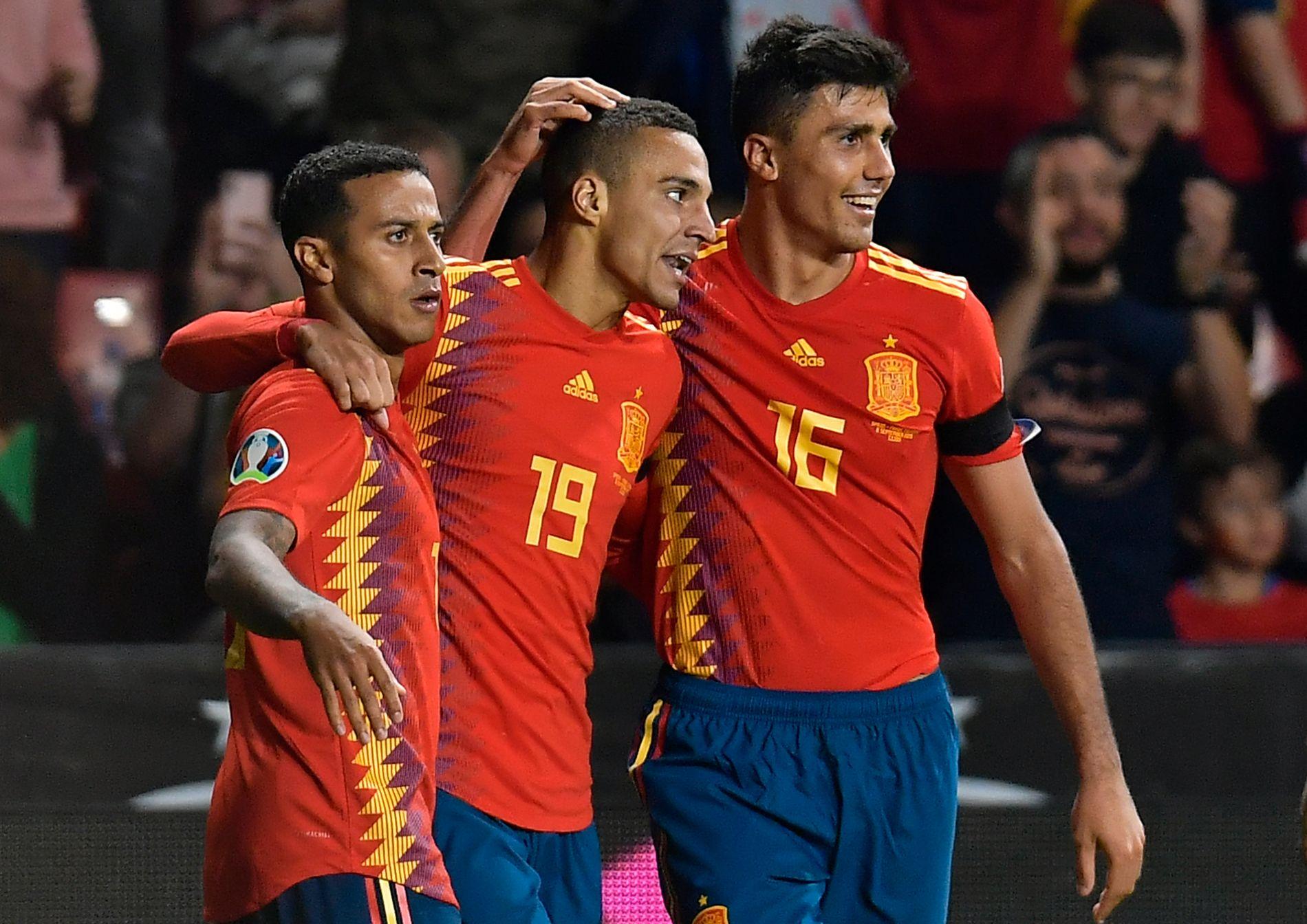 Rodrigo scoret to ganger for Spania.