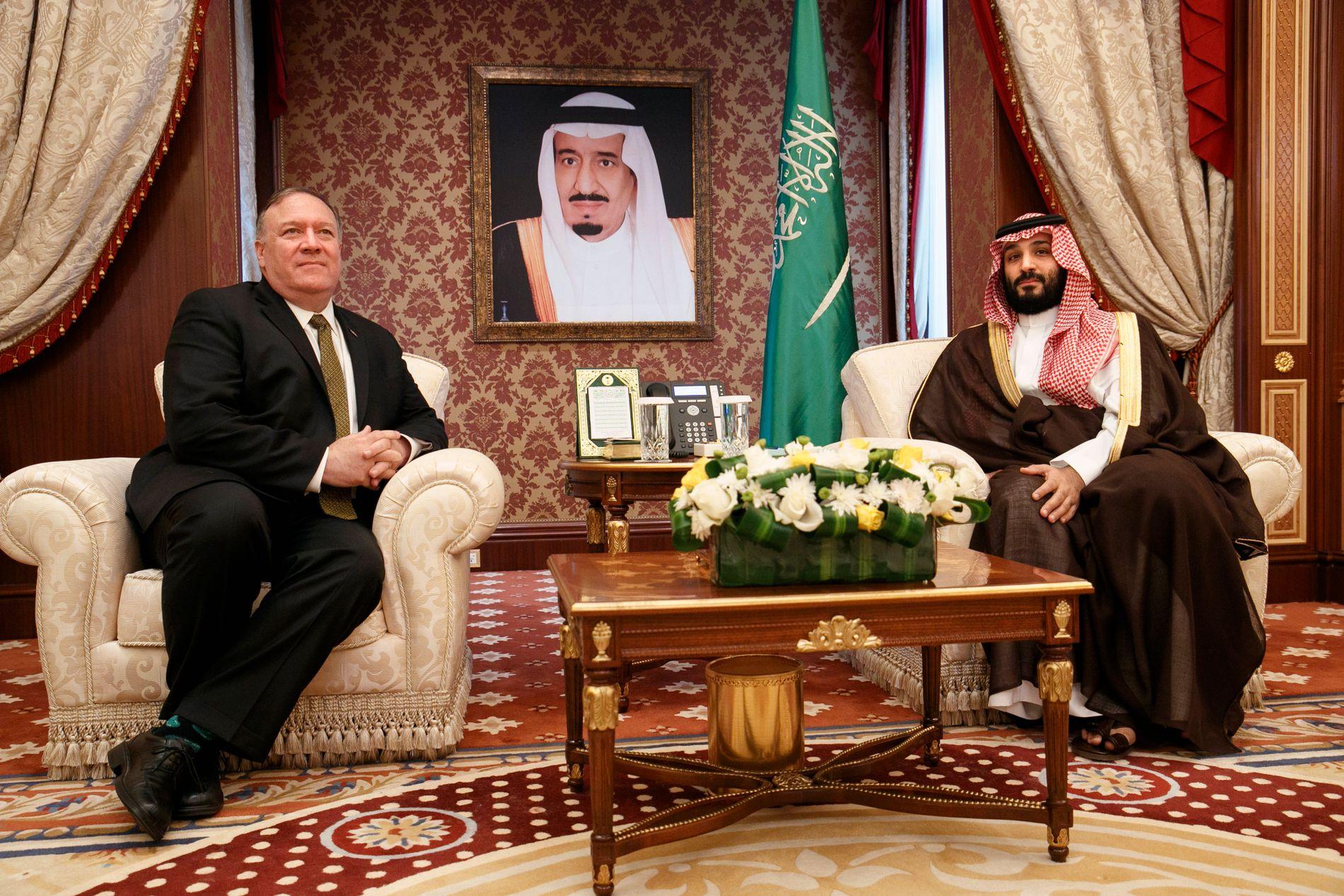 TØFF LINJE: USAs utenriksminister Mike Pompeo møtte mandag Saudi-Arabias kronprins Mohammed bin Salman, som helt og fullt støtter opp under USA tøffe linje mot Iran.