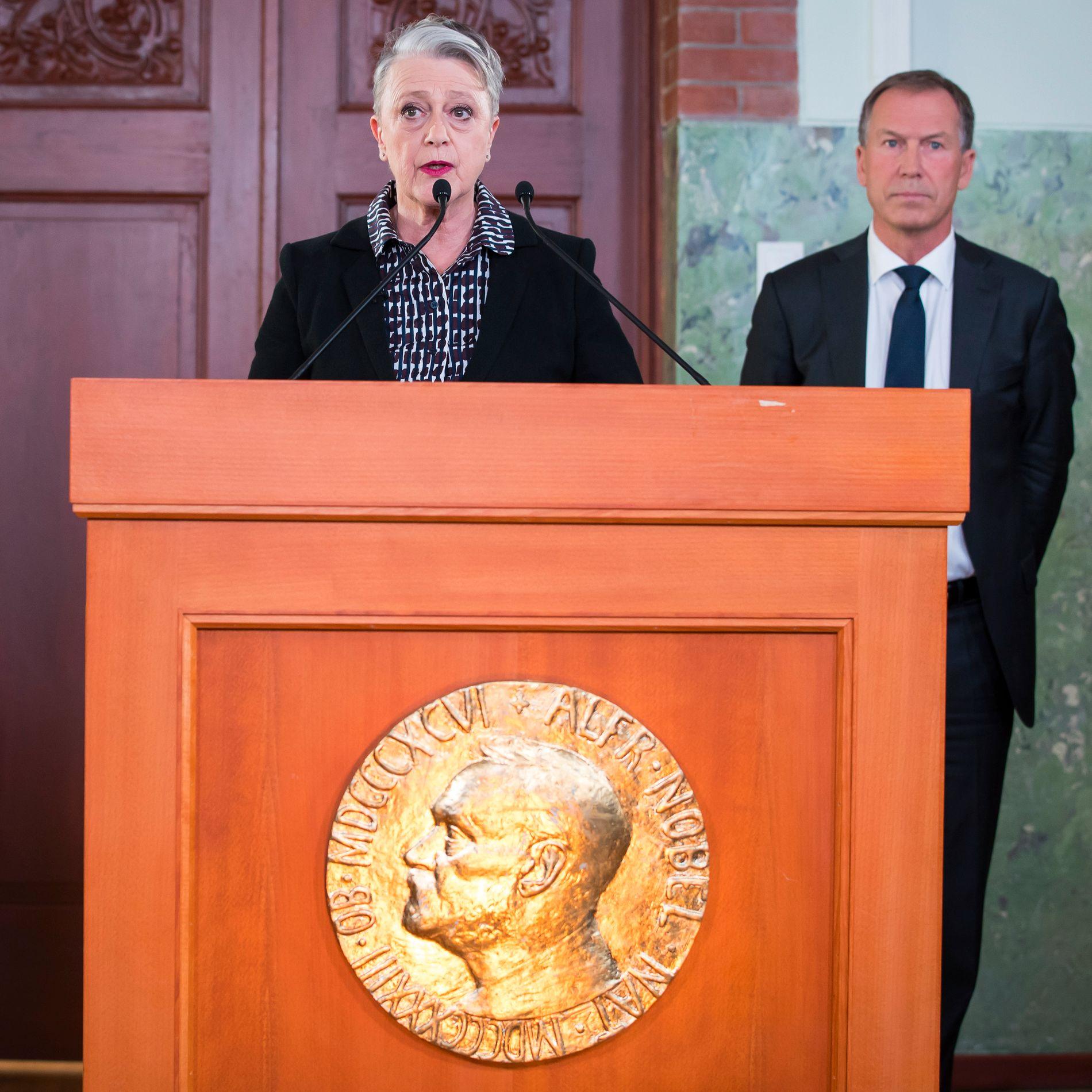 LOV BETYR NOE: Nobelkomiteens leder Berit Reiss-Andersen sa under kunngjøringen, etter å ha blitt konfrontert med at prisen kun er symbolsk fordi ingen av atomvåpenstatene selv har signert FN-forbudet, «Jeg tror lov betyr noe. Internasjonale lover og forpliktelser har i vår erfaring hatt en effekt».