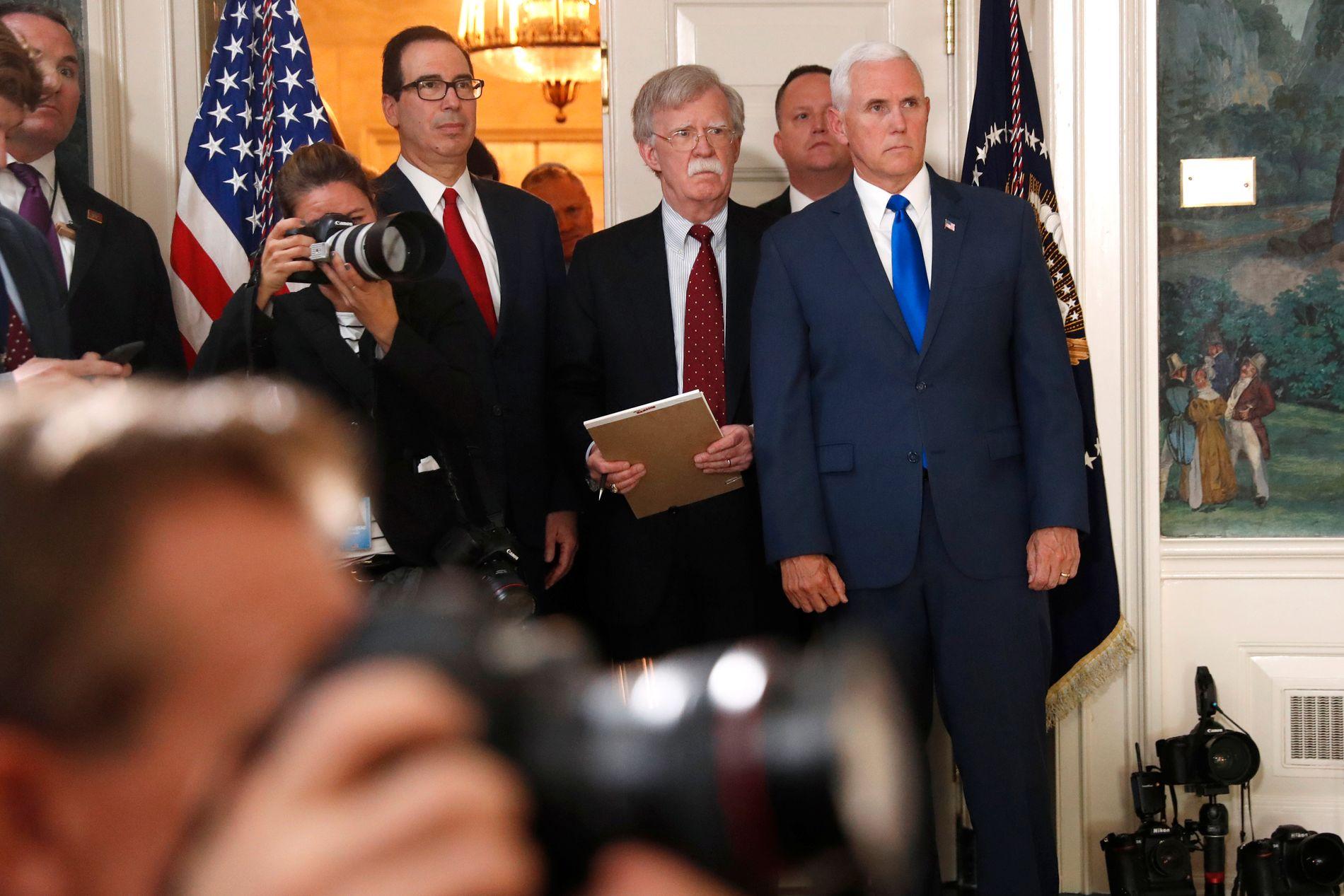 BOLTONS VERK: John Bolton er ein tidlegare FN-ambassadør som ikkje verkar å tru på diplomati. Han står for harde, militære løysingar både i Iran og Nord-Korea. Talen til Trump verka som Boltons verk, skriv Morten Myksvoll.
