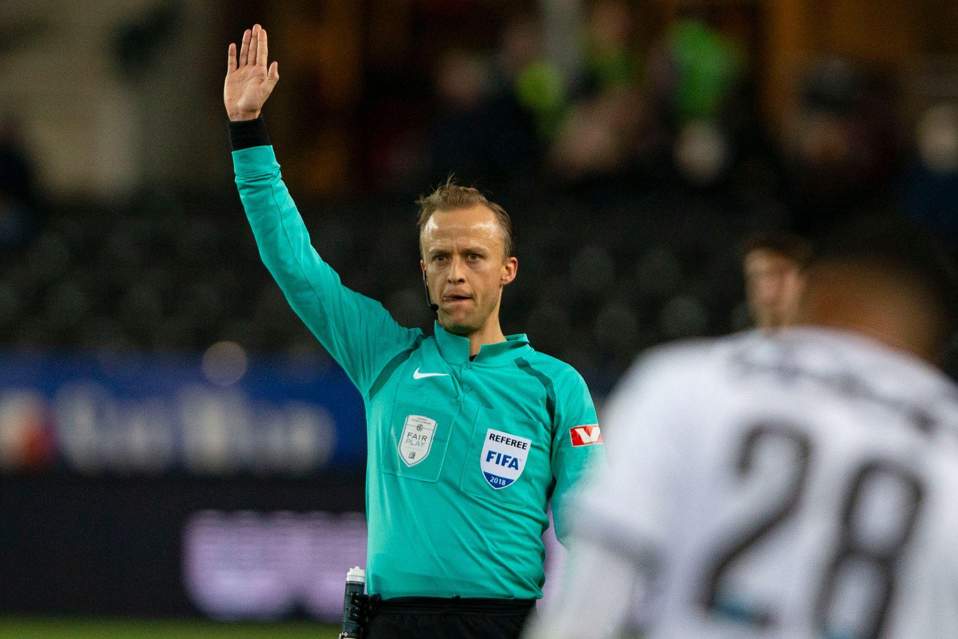 Ola Hobber Nilsen dømmer ikke på Lerkendal mandag.