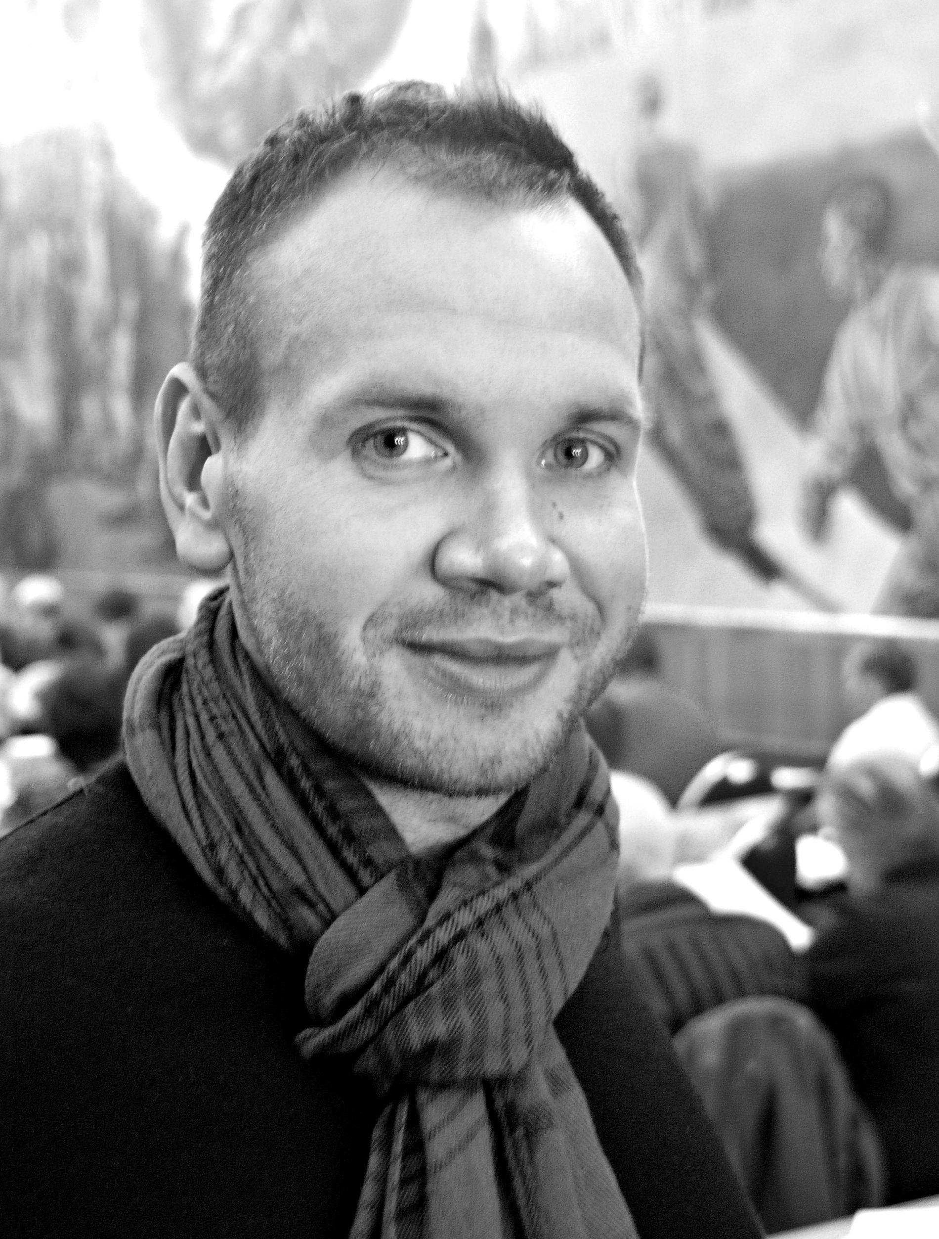 FORBETRING?: Meiner fylkeskommunen og Skyss at rutetilbodet og reisetidene som no er i Nordhordland er ei forbetring, spør Kristian Fjellanger.