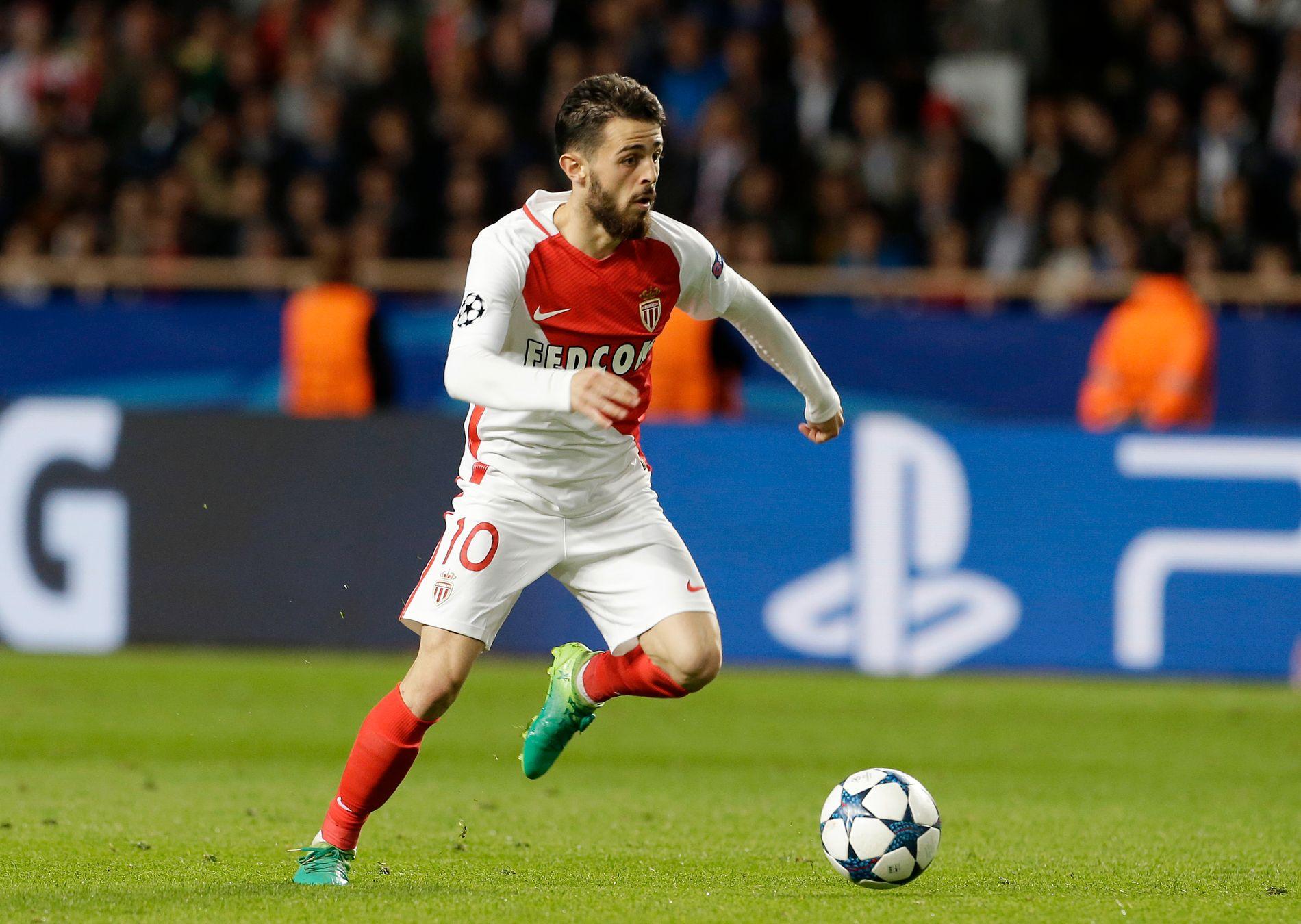 Bernardo Silva er hentet til City fra Porto for rundt 460 millioner kroner. Her er han i aksjon for Monaco i Champions League-kampen mot Juventus.