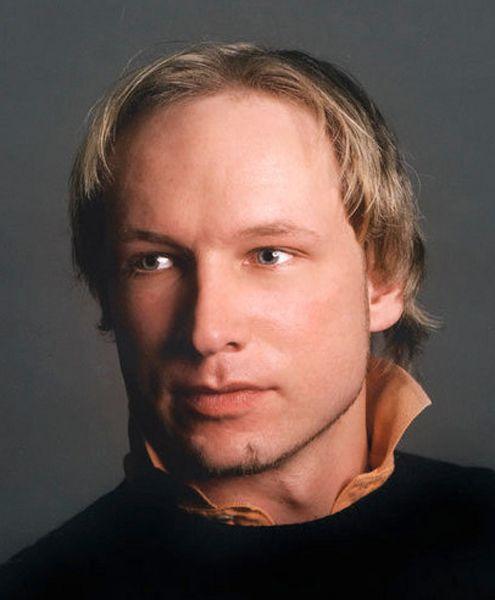 SKREV BOK: I boken sammenligner Anders Behring Breivik seg med tempelridderne. Han gir uttrykk for at motstanderne av islam bør skaffe seg masseødeleggelsesvåpen.
