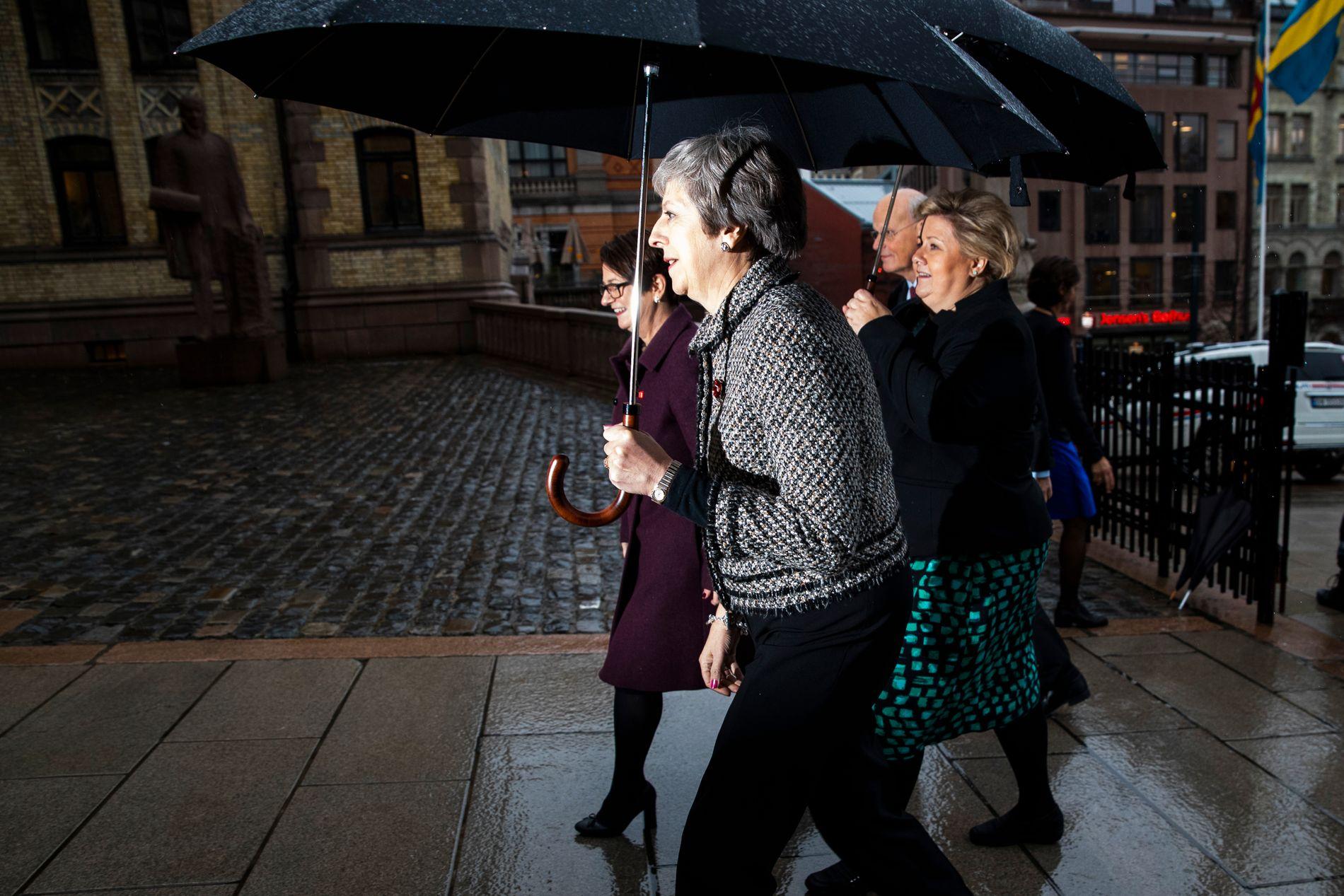 MAKTKAMP: I haust var Storbritannias statsminister Theresa May i Noreg. Ho møtte mellom anna statsminister Erna Solberg (Høgre) og stortingspresident Tone Trøen (også Høgre).