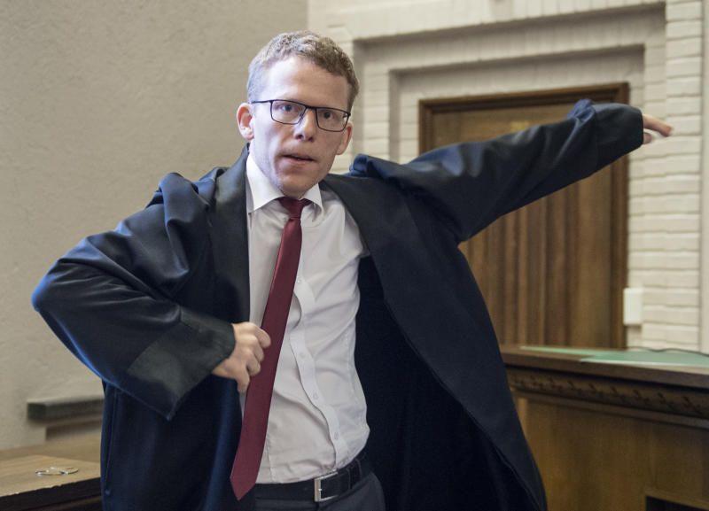 MER ENN MINSTESTRAFF: Statsadvokat Jan-Inge Raanes mener en 19 år gammel mann ble voldtatt på Danskebåten mens han var bevisstløs og ute av stand til å motsette seg det som skjedde. Raanes krever tre år og tre måneder i fengsel for tiltalte.