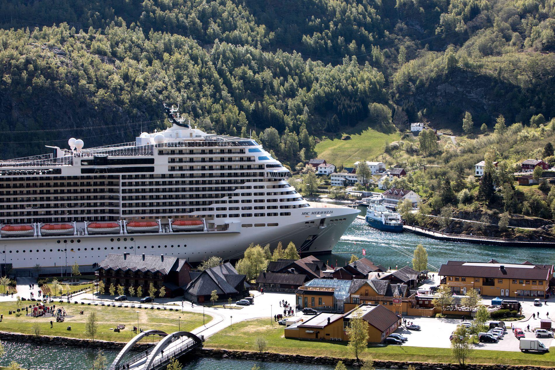 I FLÅM: Passasjeren var om bord på dette cruiseskipet, MSC «Meraviglia». Bildet er tatt i forbindelse med et besøk i Flåm i mai tidligere dette året.