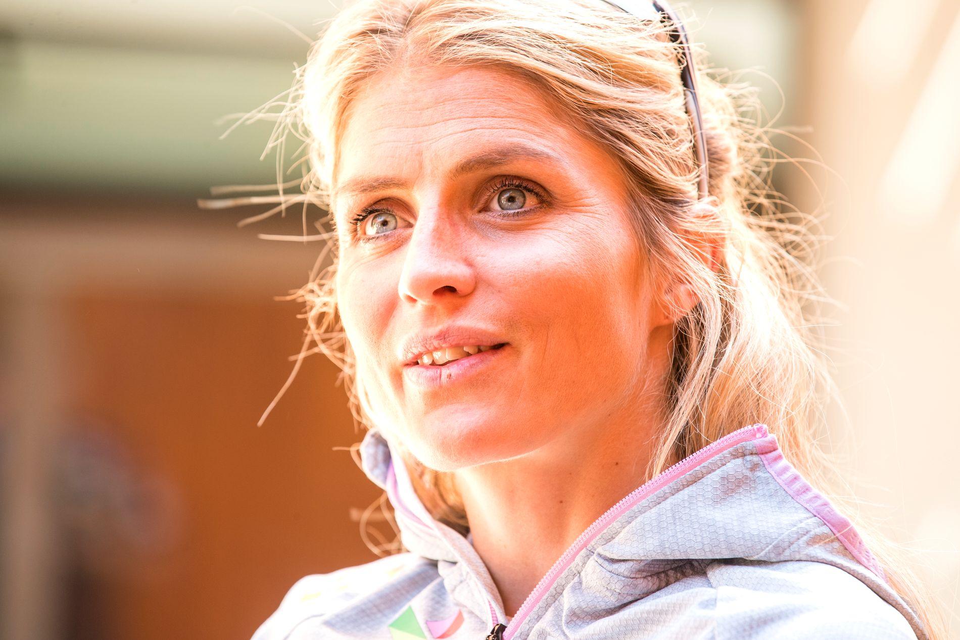 Therese Johaug vant alle distanserennene i verdenscupen som hun startet i forrige sesong, unntatt ett. Da ble hun nummer to.