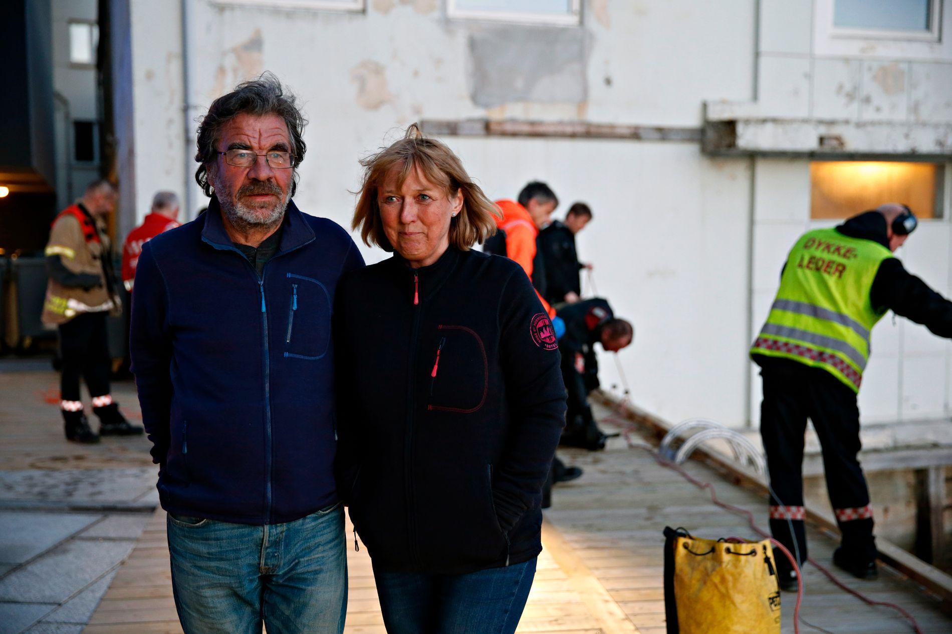 DAGENS HELTER: Da ekteparet Kjersti Kismul og mannen Knut Hansen fikk øye på mannen, kastet de ut en livbøye.