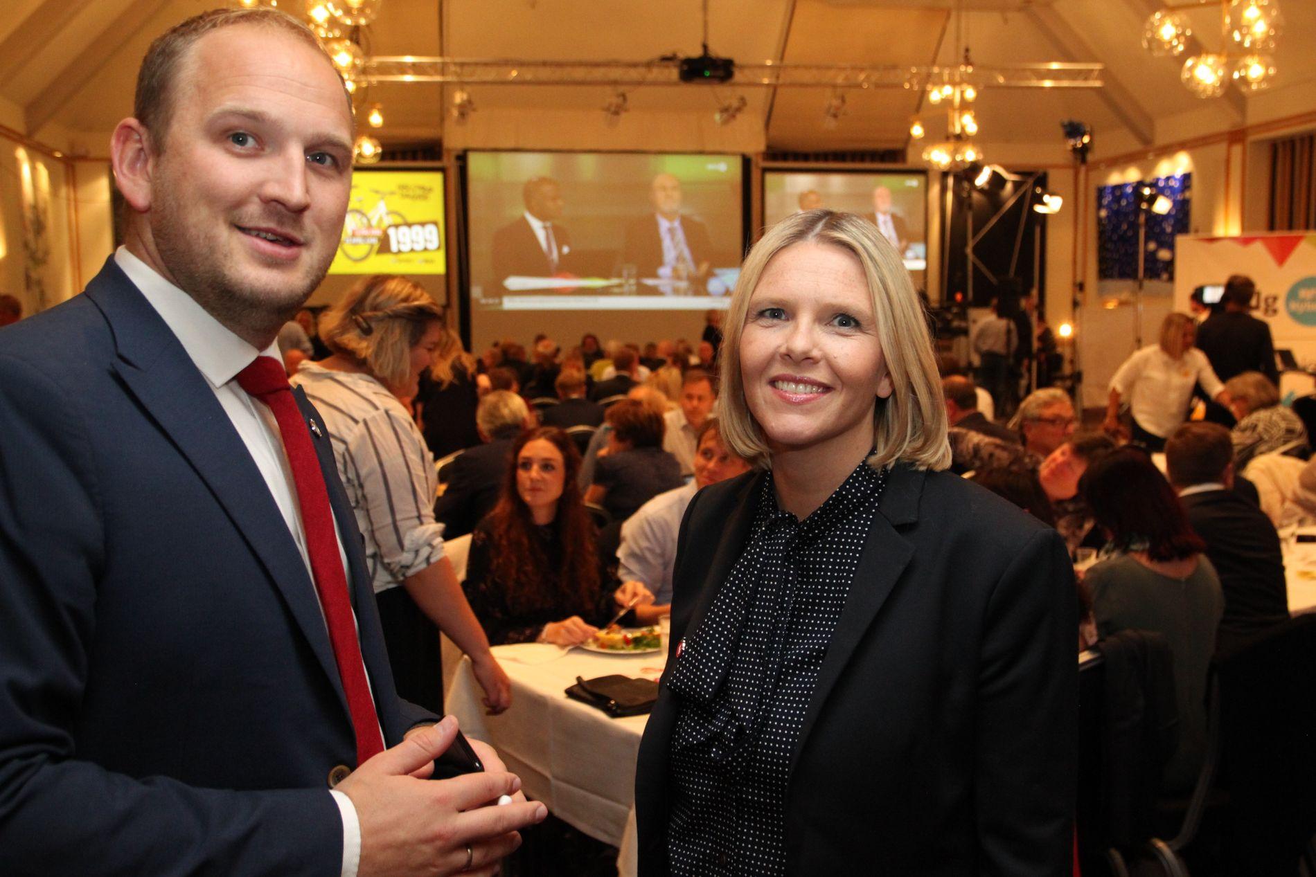 AKTUELL?: Landbruksminister Jon Georg Dale er blant dem som er nevnt i justisministerkabalen. Her sammen med eks-statsråd Sylvi Listhaug under valgvake i Ålesund.