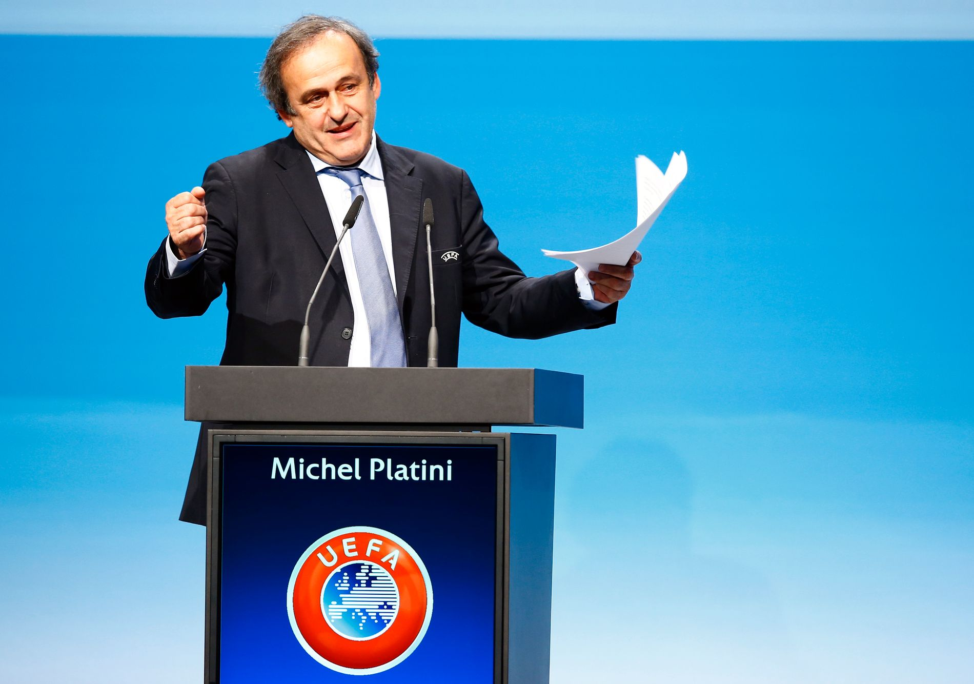 UEFA-president Michel Platini sier han forsøkt å jobbe frem en forsonende løsning med Sepp Blatter. Uten hell.