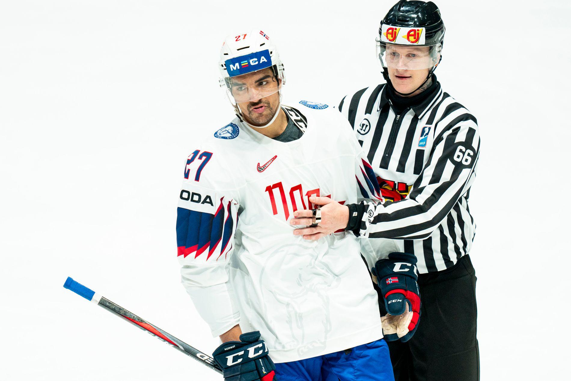 Andreas Martinsen er høyst sannsynlig ferdig som spiller i NHL-klubben Chicago Blackhawks etter denne sesongen.