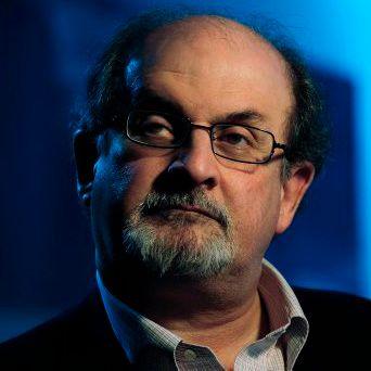 HAR UNDERSKREVET: Forfatter Salman Rushdie er en av de 28 som har underskrevet oppropet mot høyrepopulisme og nasjonalisme i EU.