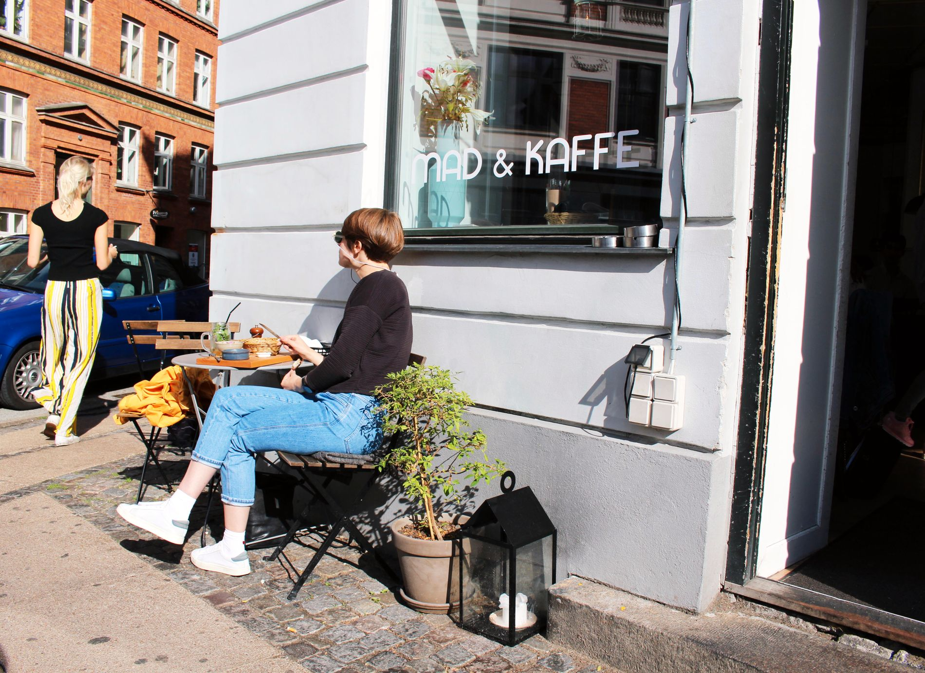 KAFÉ PÅ HJØRNET: Mad og Kaffe er kåret til en av de beste kafeene i København – velkjent for sin gode kaffe og mat.