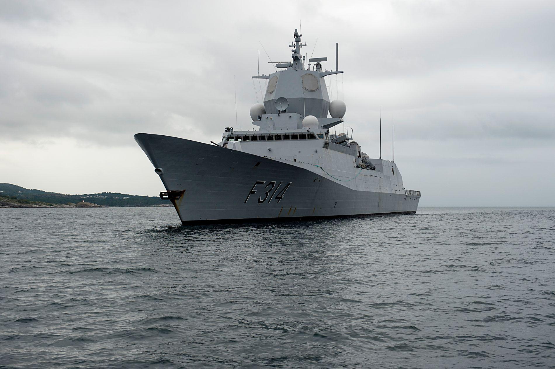 VAR GRATISPASSASJER: Før kunne norsk skipsfart kunne stole på at stormaktene holdt orden på havet. Det er i dag ikke lenger noe man kan ta for gitt, skriver Ståle Ulriksen.