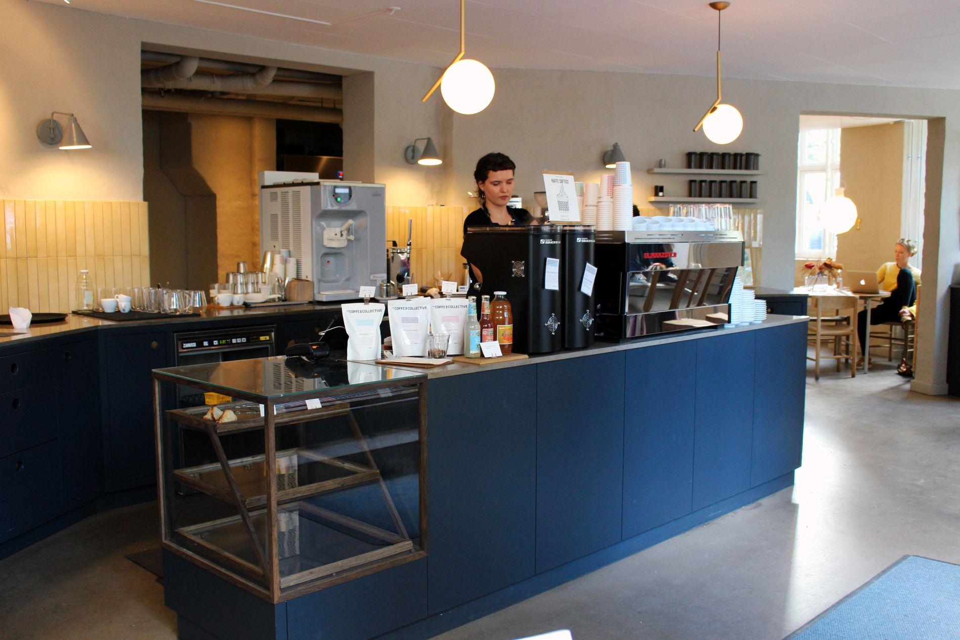 KAFFESTOPP: Hjørnekafeen The Coffee Collective serverer deilig økologisk kaffe.