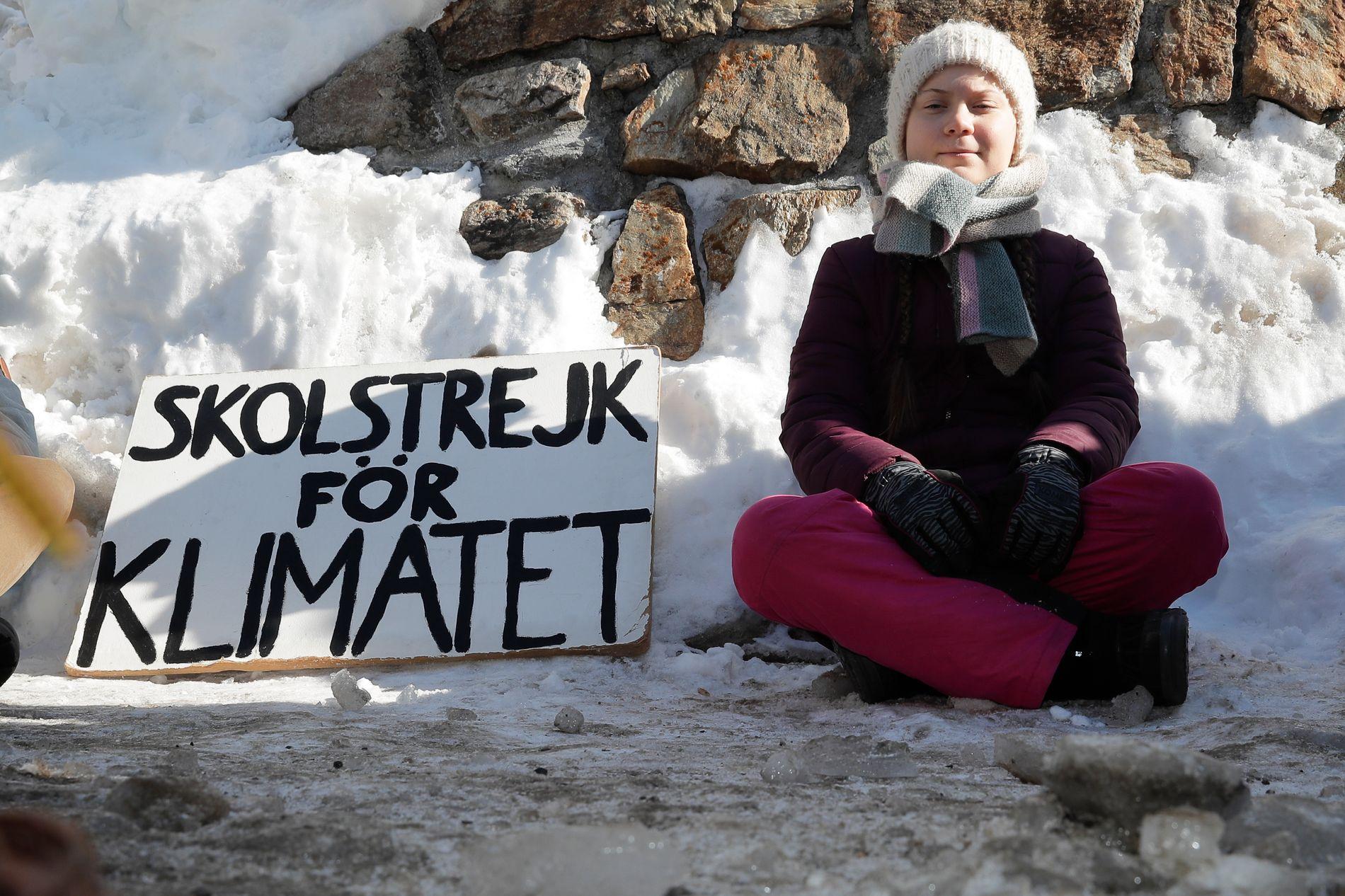 STREIK: Svenske Greta Thunberg har streiket siden august, i protest mot manglende handling i klimakampen. Hennes streik har inspirert elever rundt om i verden til å streike og demonstrere.
