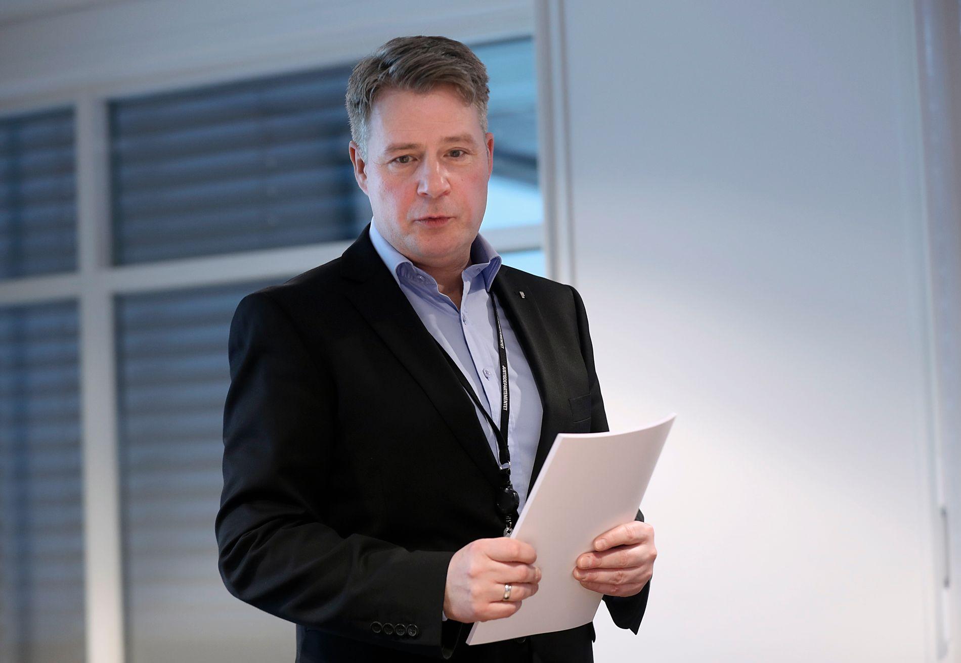 TUNG KRITIKK: Ti landsledende eksperter på rettspsykiatri har kritisert regjeringens forslag til nye utilregnelighetsregler. Justisminister Per-Willy Amundsen (Frp) svarer med at kritikken er preget av tradisjonstro tenking.
