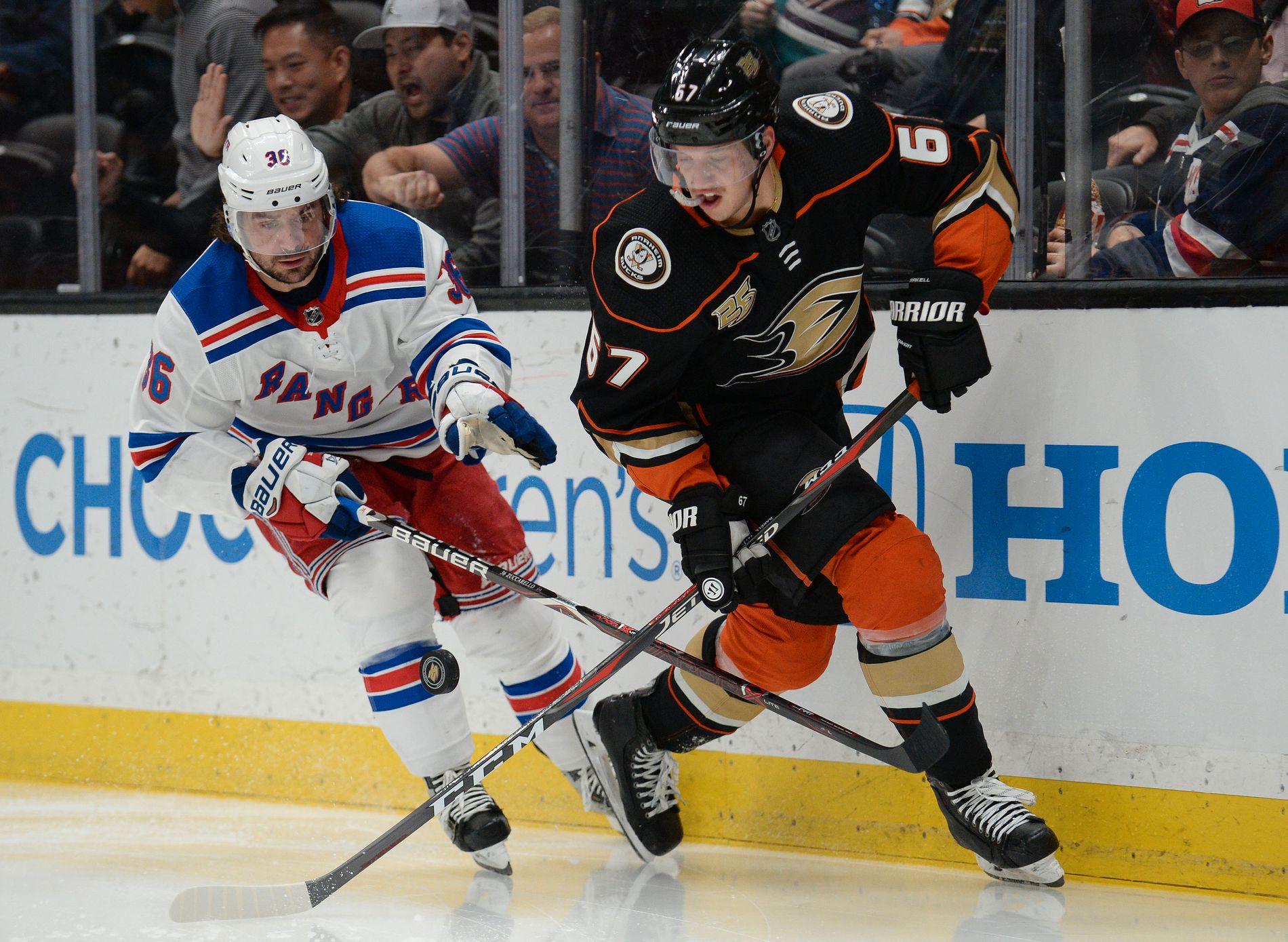 Mats Zuccarello (til venstre) og New York Rangers har fått fart på sakene etter en blytung NHL-start.