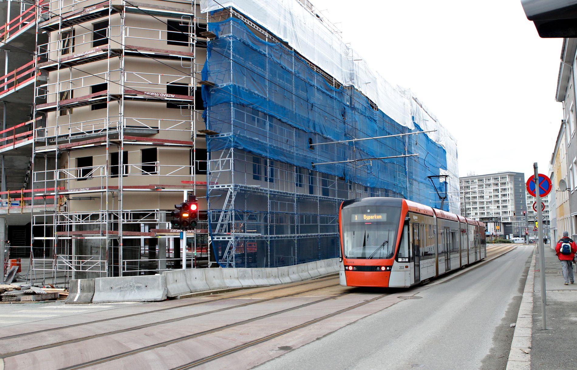 MANGFOLDIG BY: Knutepunktsfortettingen som pågår i Bergen gjør at det bygges mange nye leiligheter for studenter og eldre, men få for familier, mener innsenderen.
