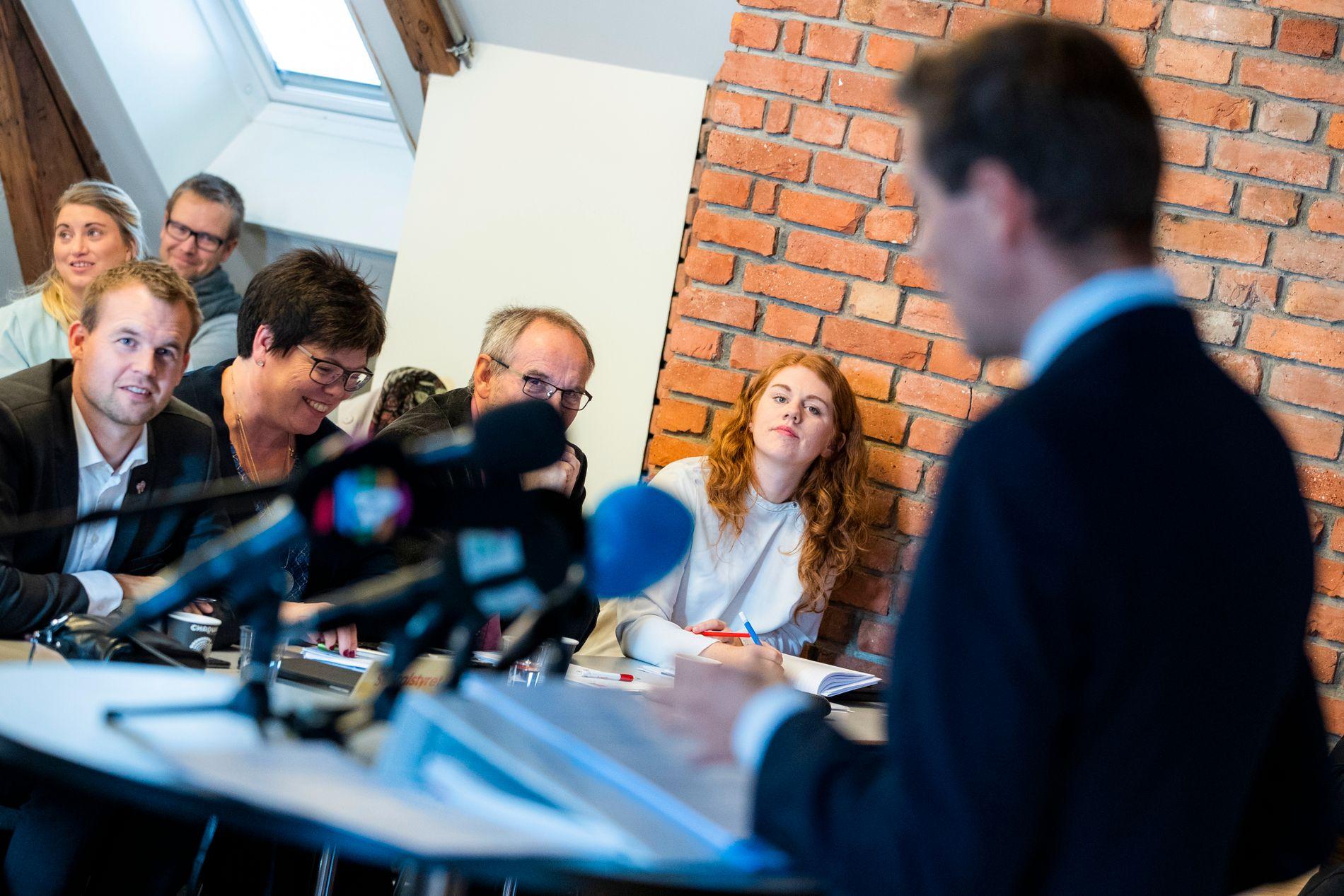 TALE: Knut Arild Hareide gikk på talerstolen foran landsstyret. Han sa at KrF bør vurdere å endre retning.