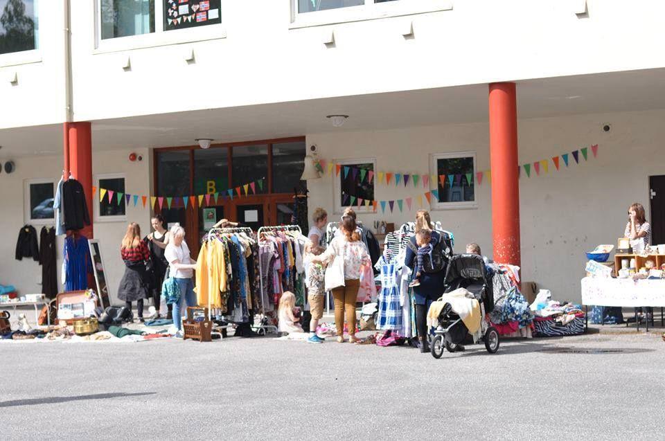TREKKER INNENDØRS: Vanligvis har Landåspikene sine markeder på Slettebakken Skole, søndag inntar de Bergen Storsenter.