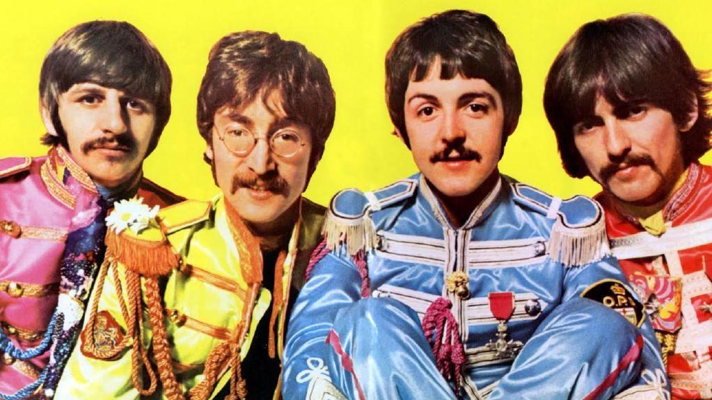 BARNESINN: De fire guttene i The Beatles viste utover i karrieren at de hadde beholdt barnet i seg.