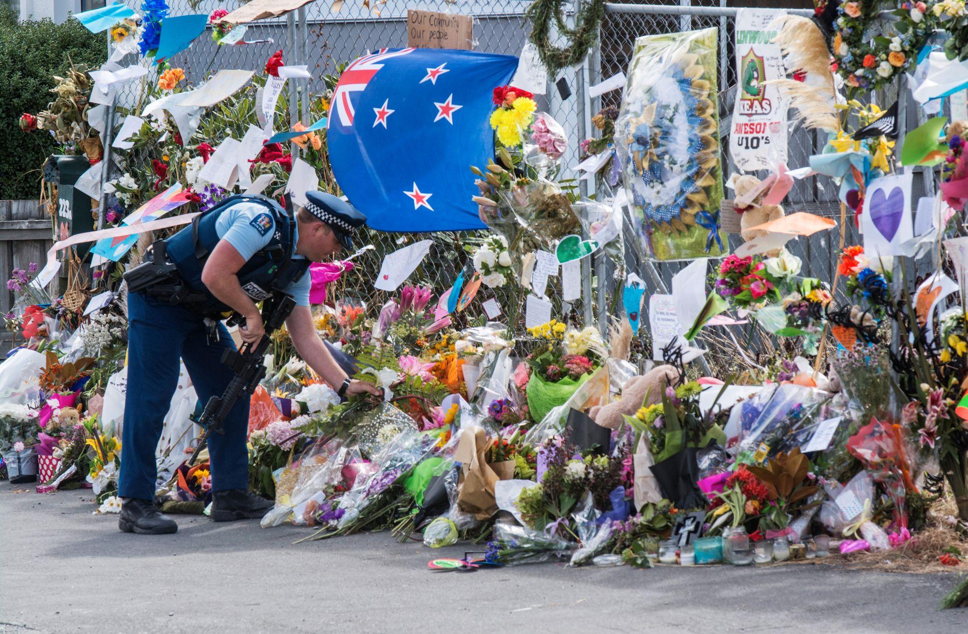 STILLHET: Etter terroren på New Zealand gikk statsminister Erna Solberg ut med en kondolanse til de drepte på sin egen Facebook-side. Den ble slettet etter hatefulle kommentarer og hets mot muslimer. Det burde fått alle til å skrike høyt at nå er det nok, men det er skremmende stille, skriver Camilla Ahamath.