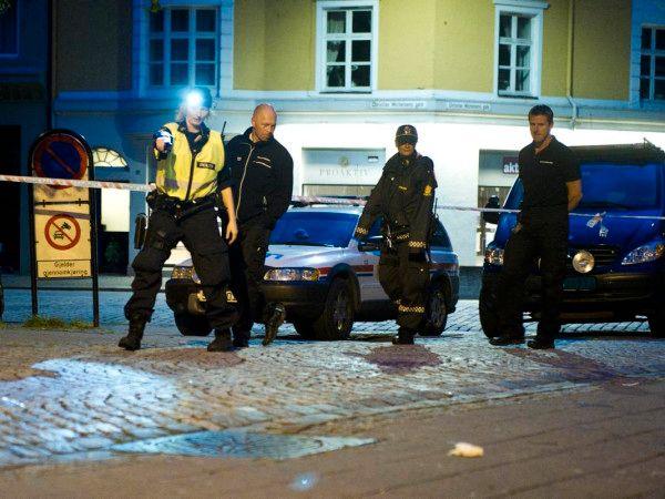ÅSTEDET: Politiet gjorde åstedsundersøkelser utenfor Finnegans i Veiten natt til 5. august i 2013.