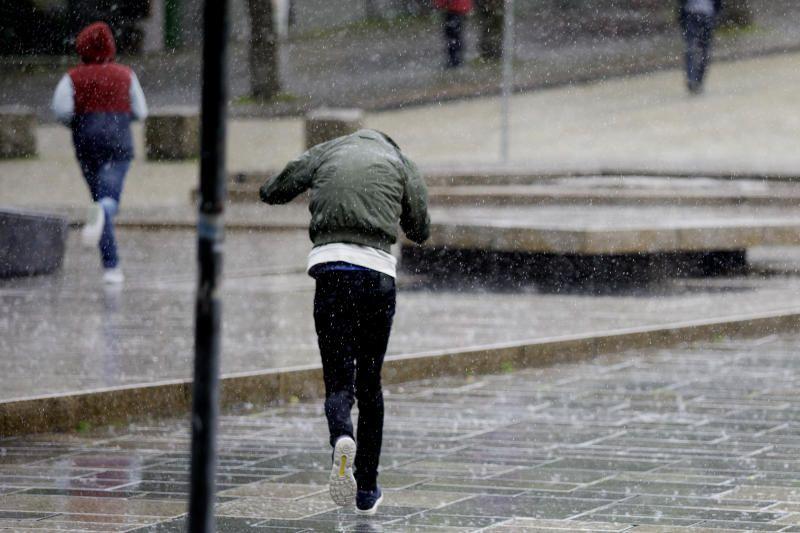 BERGEN: I juni i år regnet det mer enn normalt. Det ble den åttende våteste juni målt siden 1900, skriver innsenderne.
