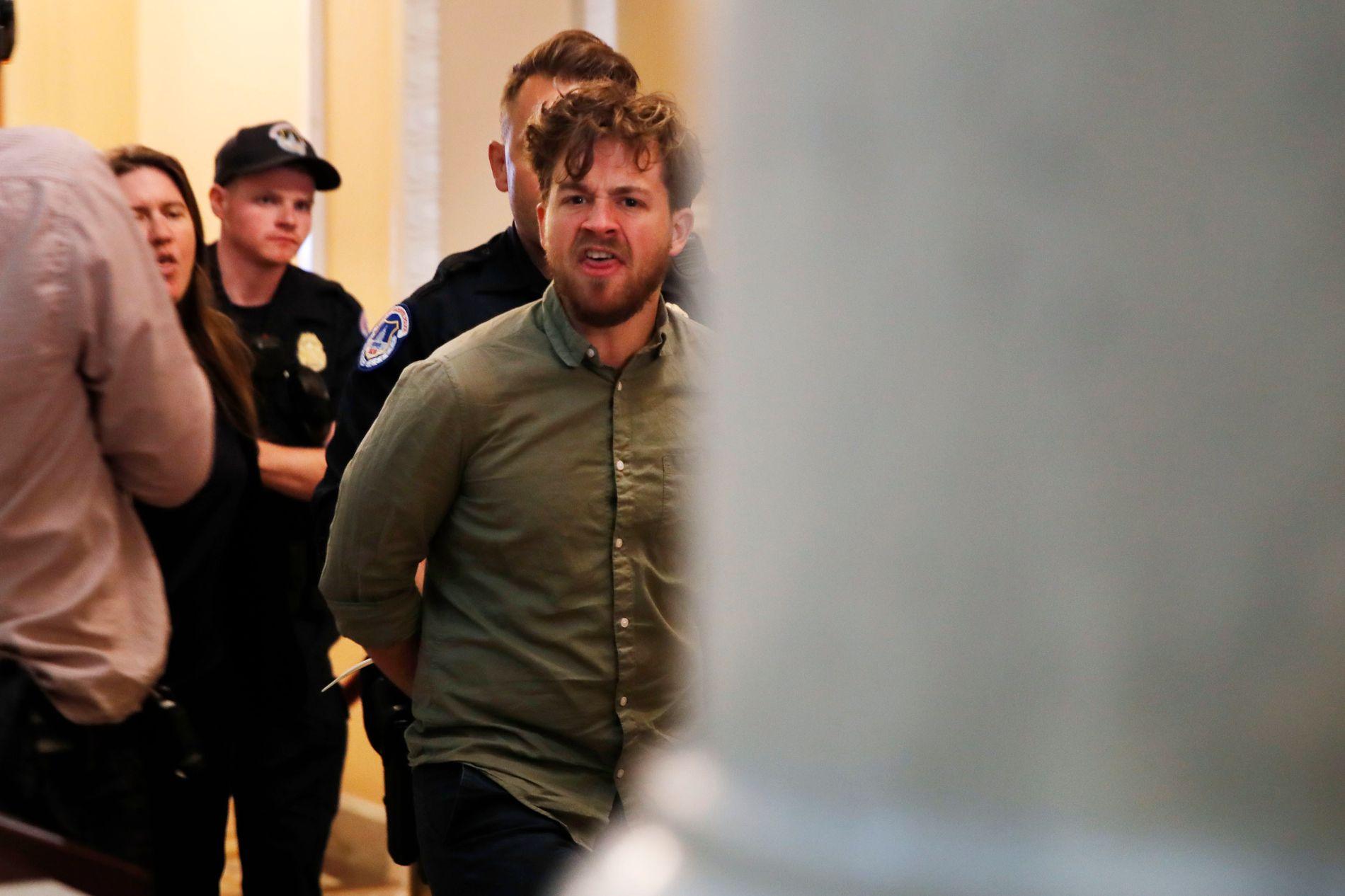 PROTESTERTE: 31 personer ble pågrepet på galleriet i Senatet og 64 personer i Senatets kontorbygg.