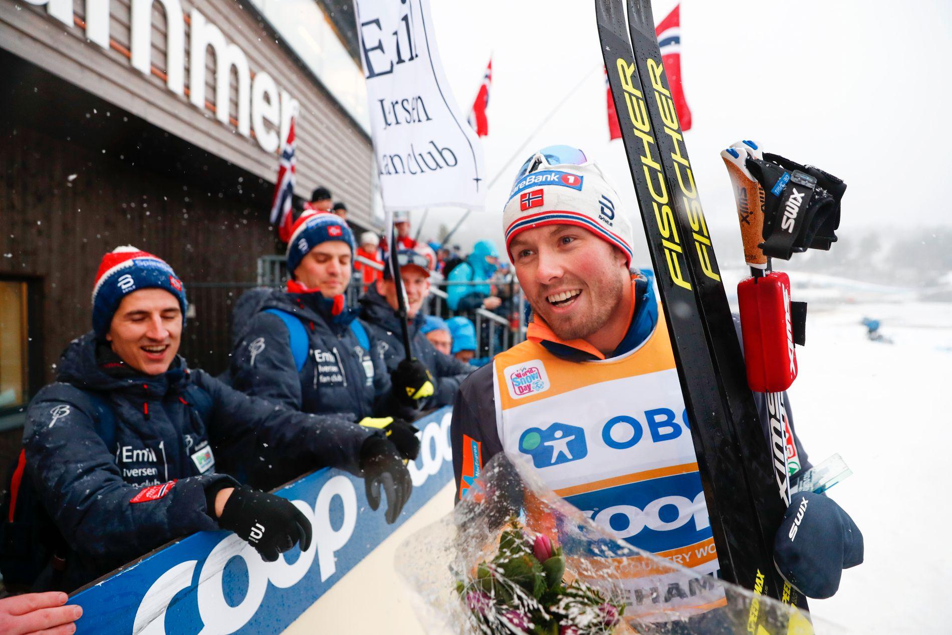 Emil Iversen fikk den gule ledertrøyen etter søndagens jaktstart.