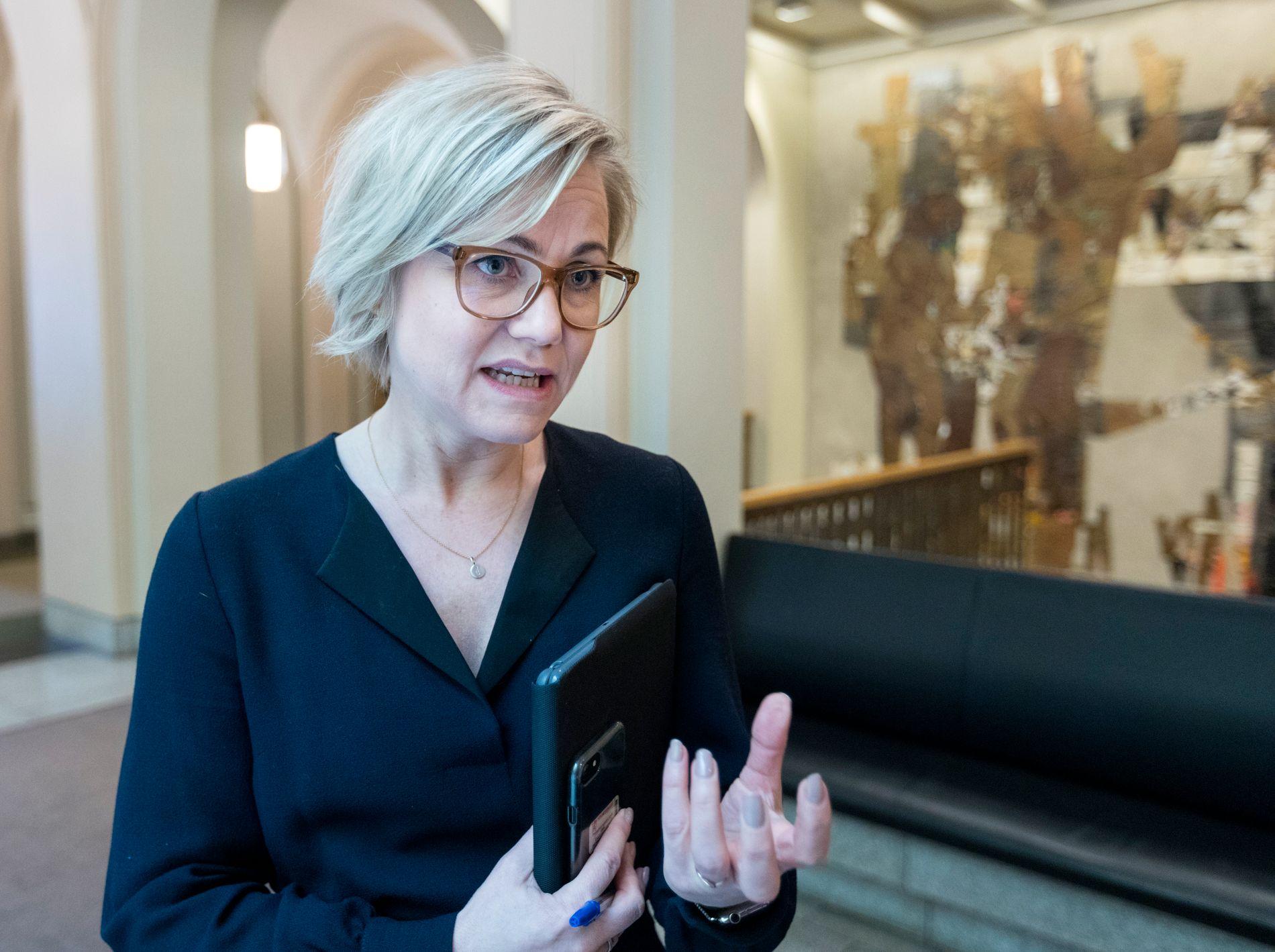 STEMMESURR: Arbeiderpartiet og Ingvild Kjerkol skulle tirsdag glede seg over flertall for eggdonasjon, men slik ble det ikke. Nå vil hun ha omkamp.